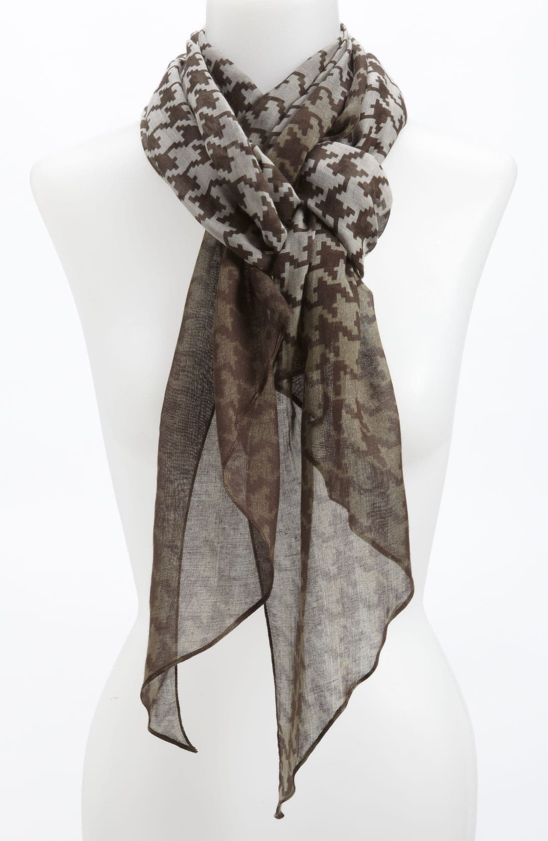 Alternate Image 1 Selected - Halogen® Houndstooth Ombré Scarf