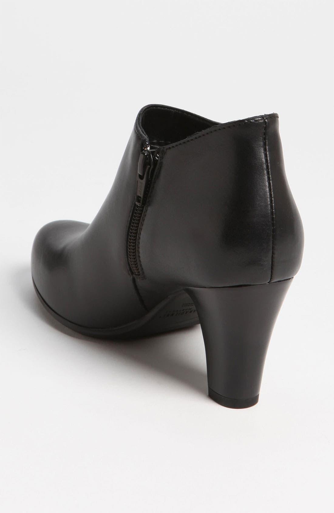 Alternate Image 2  - La Canadienne 'Donovan' Waterproof Boot
