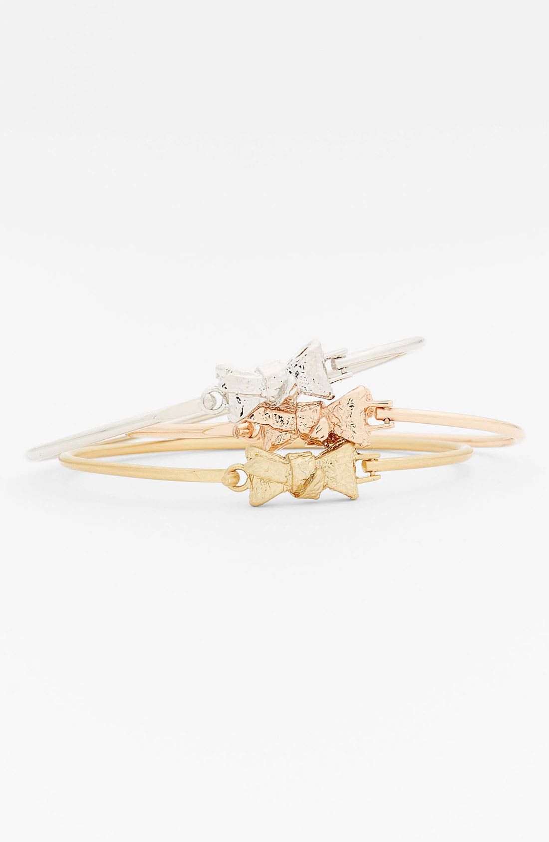 Alternate Image 1 Selected - MARC BY MARC JACOBS 'Exploded Bow' Bangle