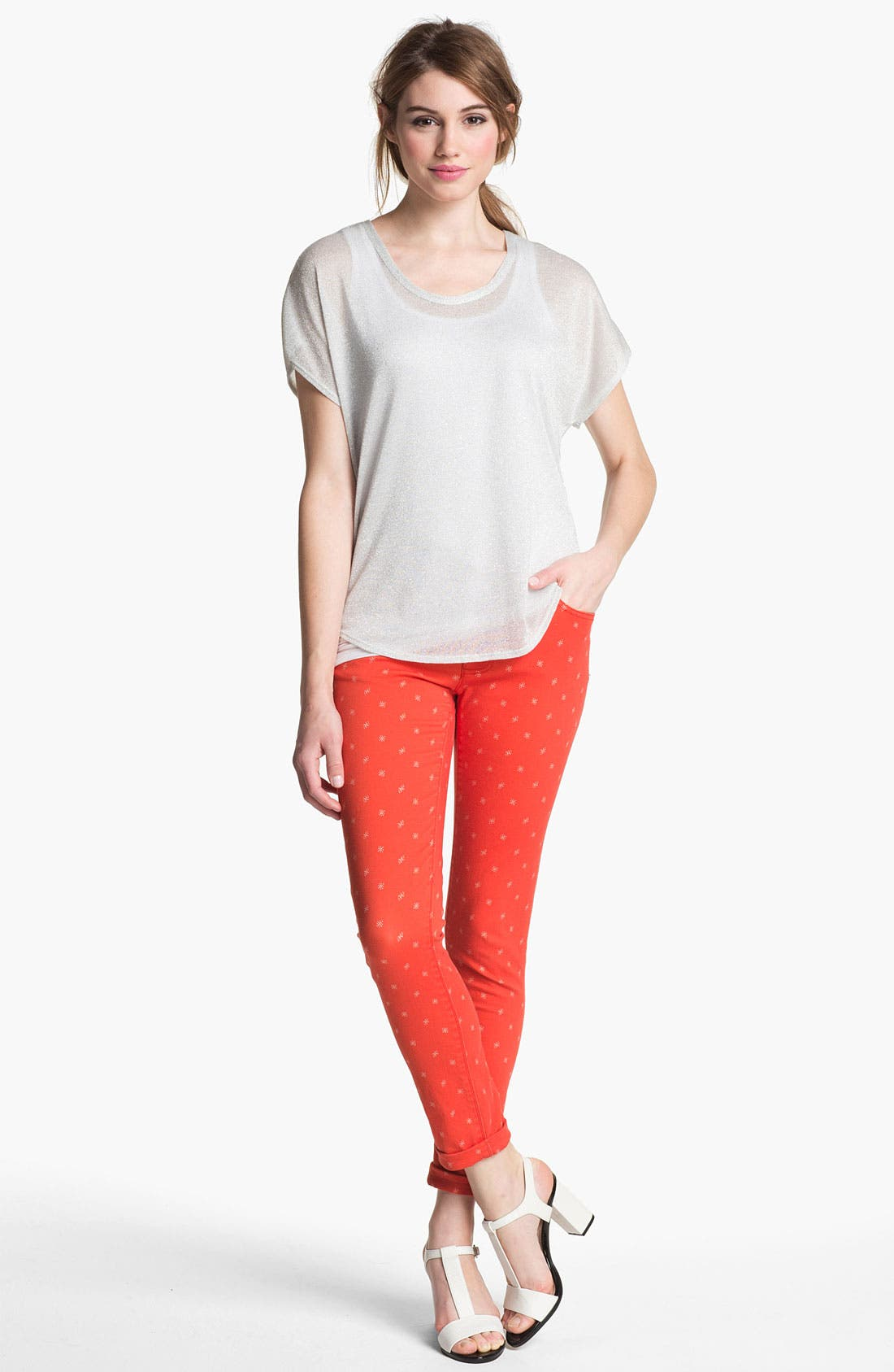 Alternate Image 4  - Two by Vince Camuto 'Shorty' Star Print Jeans (Fiery Red)