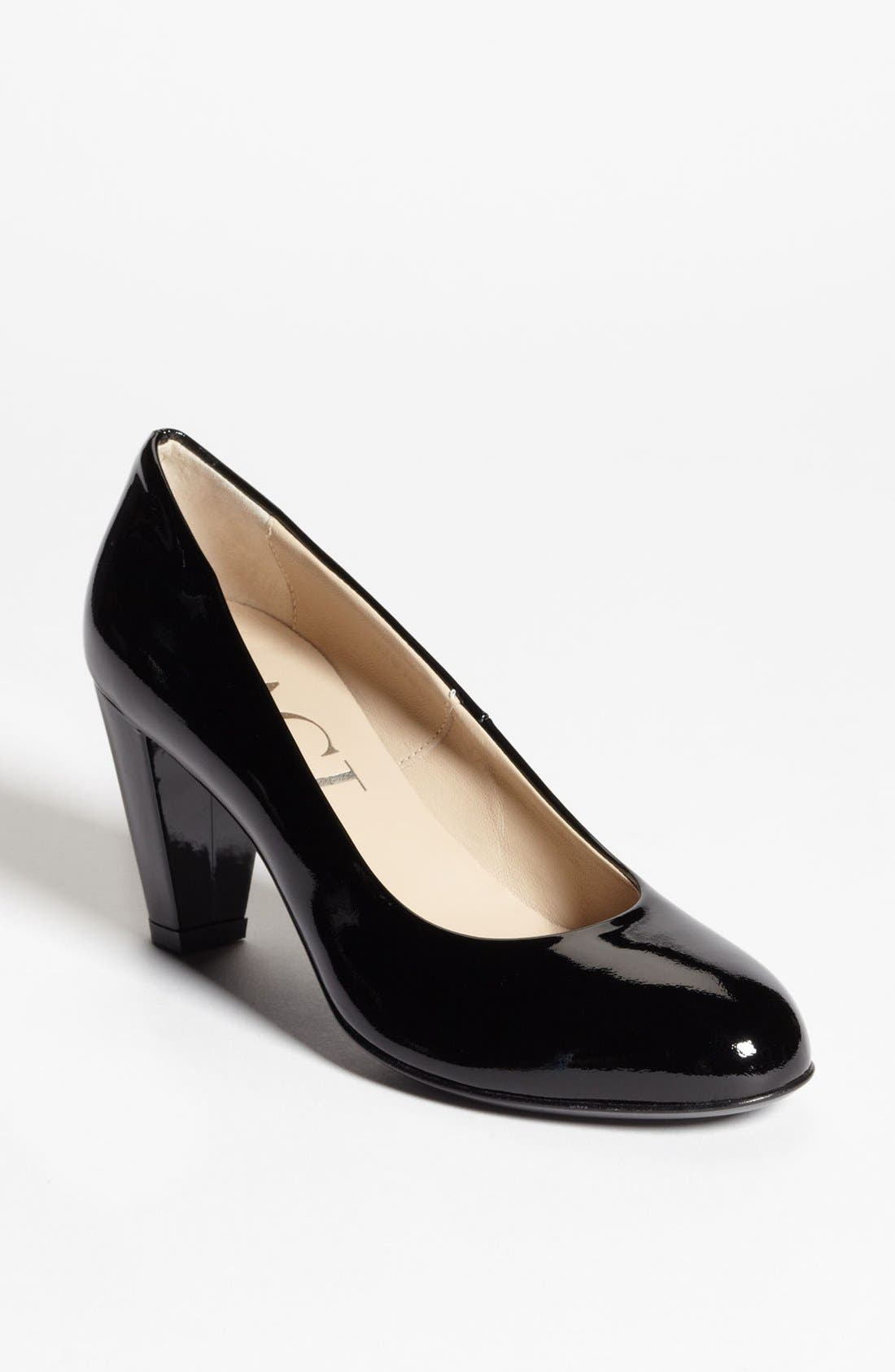 Alternate Image 1 Selected - Attilio Giusti Leombruni Black Patent Pump (Online Only)