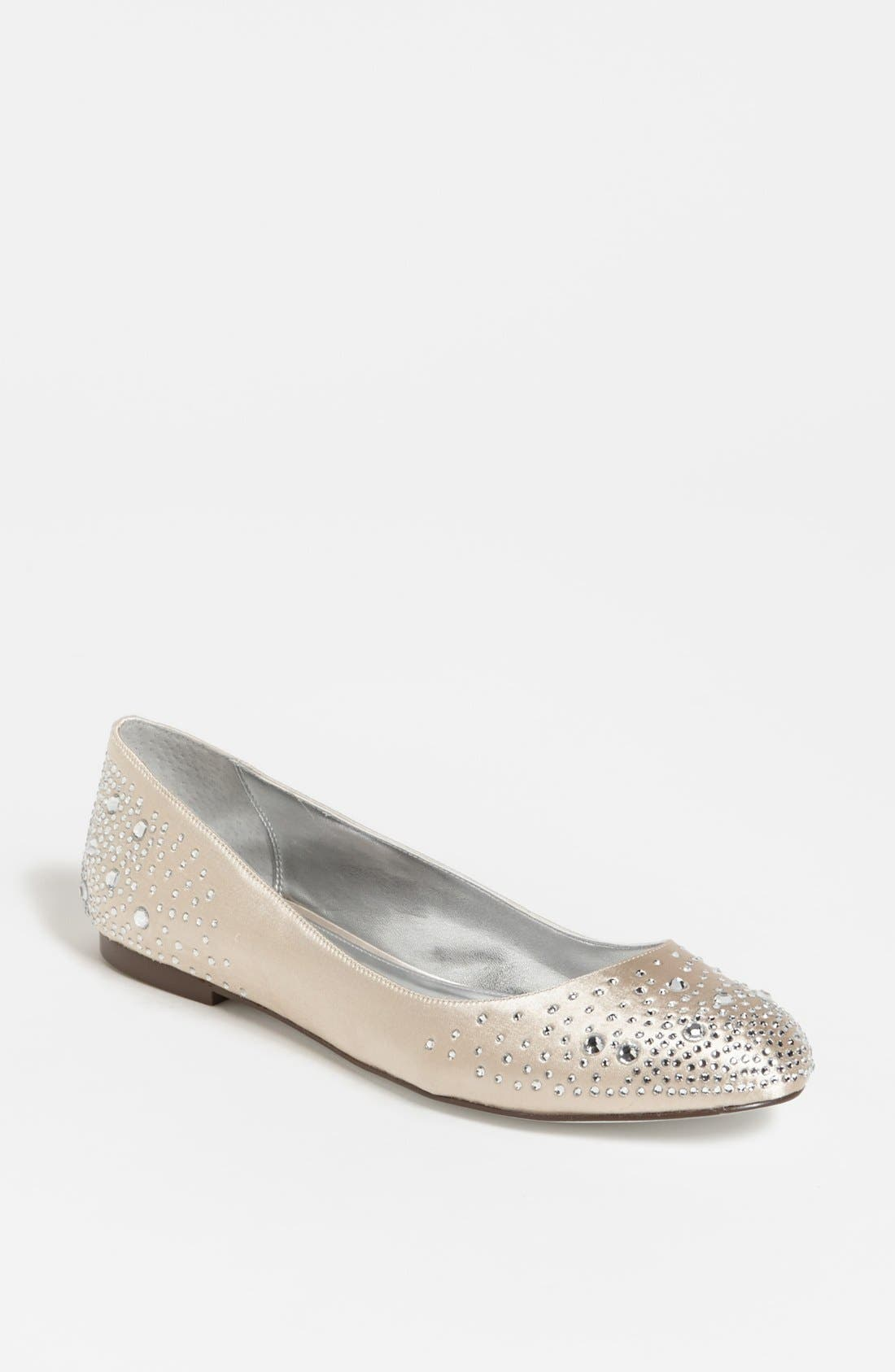 Main Image - Nina 'Pepper' Flat