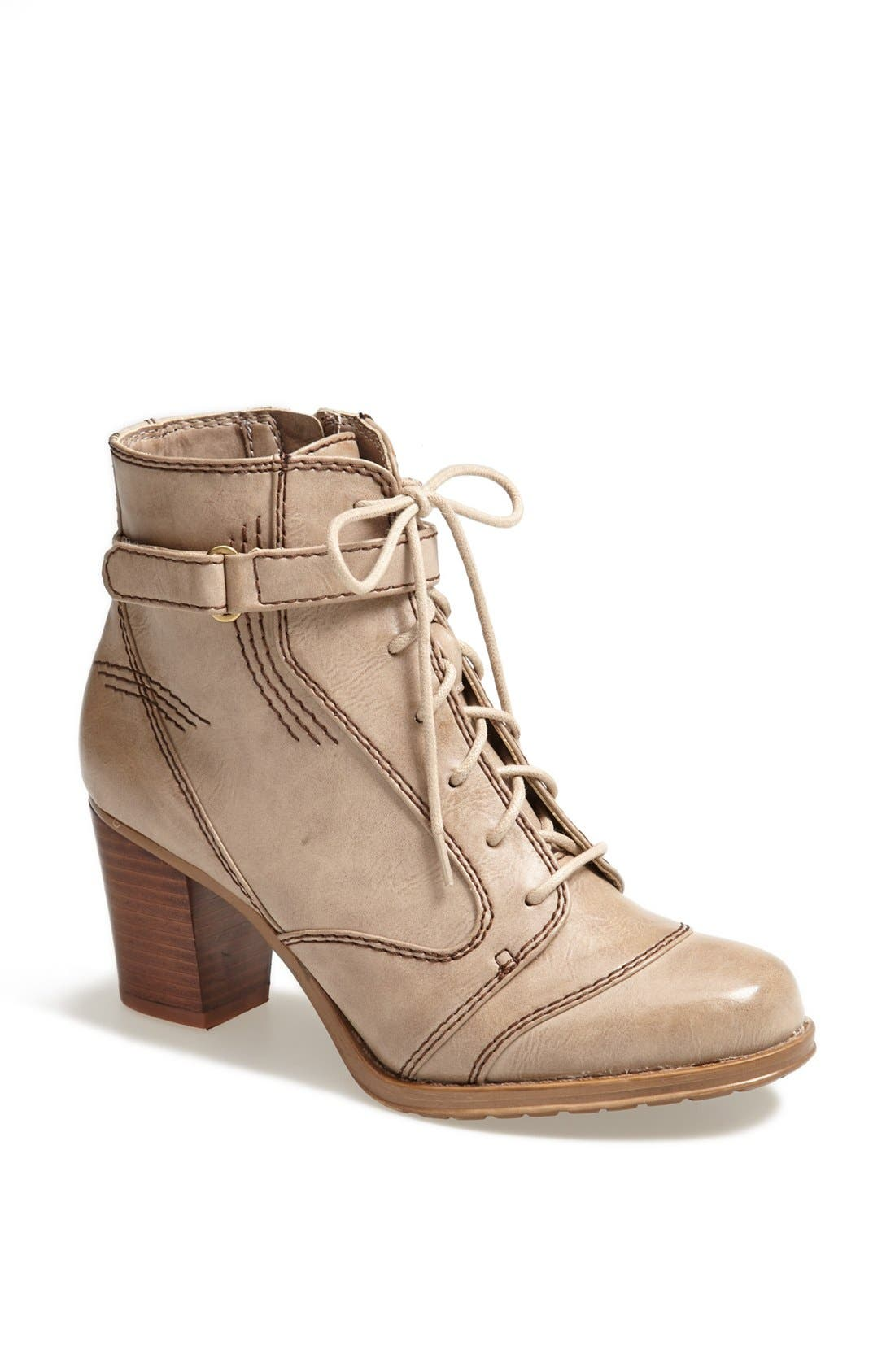 Alternate Image 1 Selected - Naturalizer 'Davina' Faux Leather Bootie