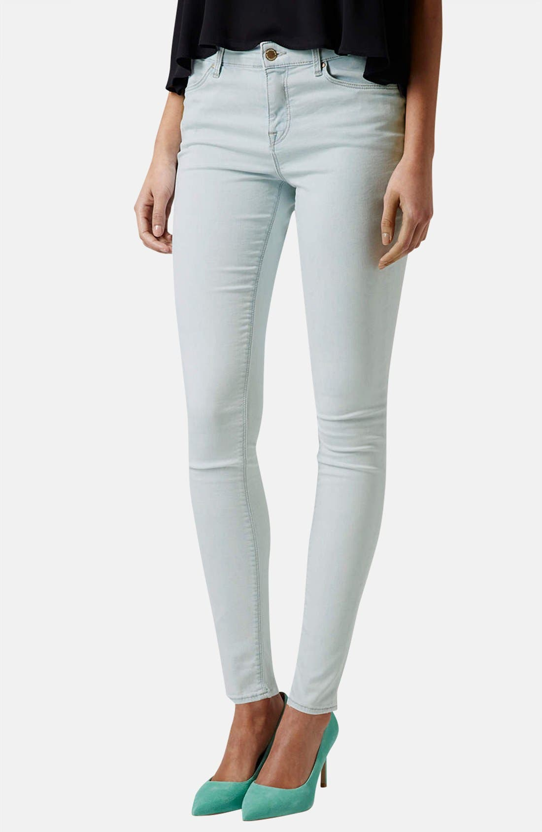 Main Image - Topshop Moto 'Leigh' Mid Rise Skinny Jeans (Light Denim)