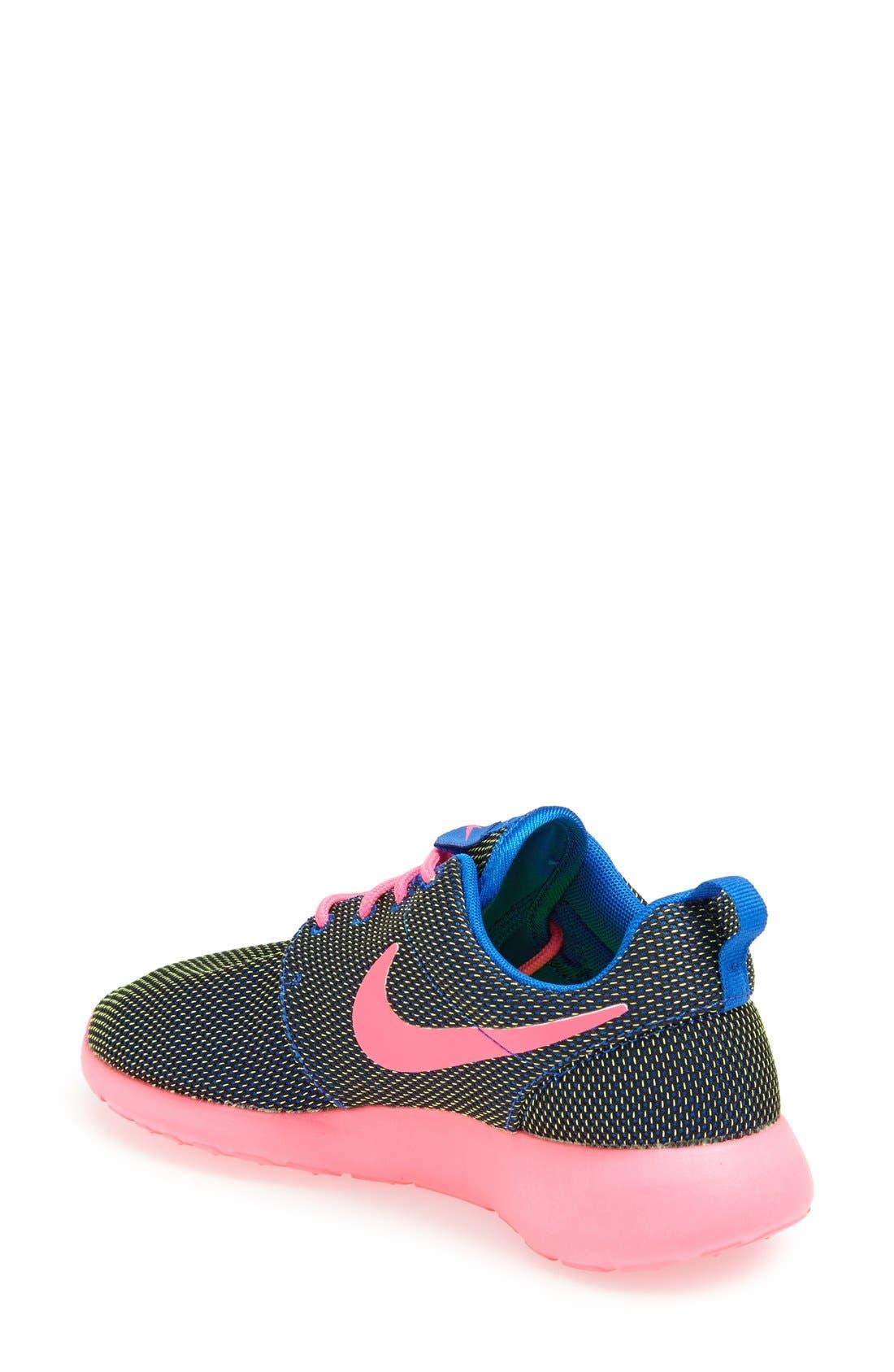 Alternate Image 2  - Nike 'Roshe Run' Sneaker (Women)