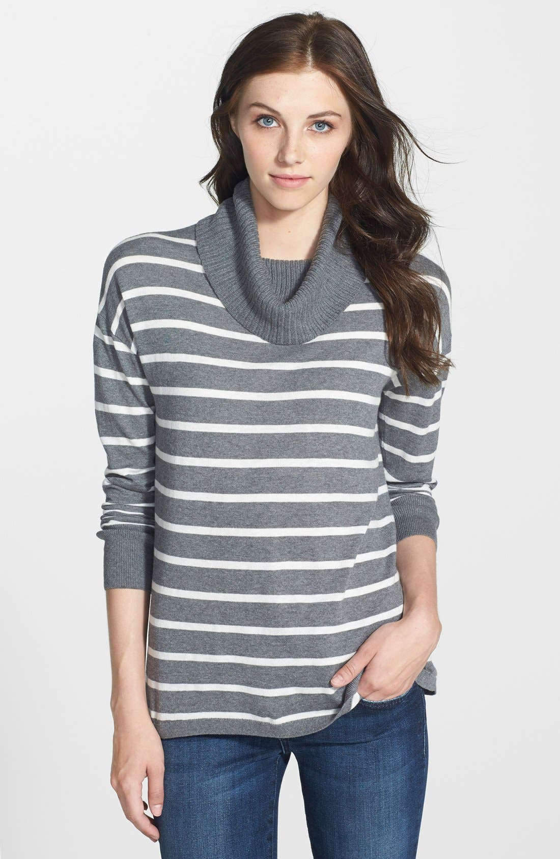 Main Image - Halogen® Relaxed Turtleneck Tunic Sweater (Regular & Petite)