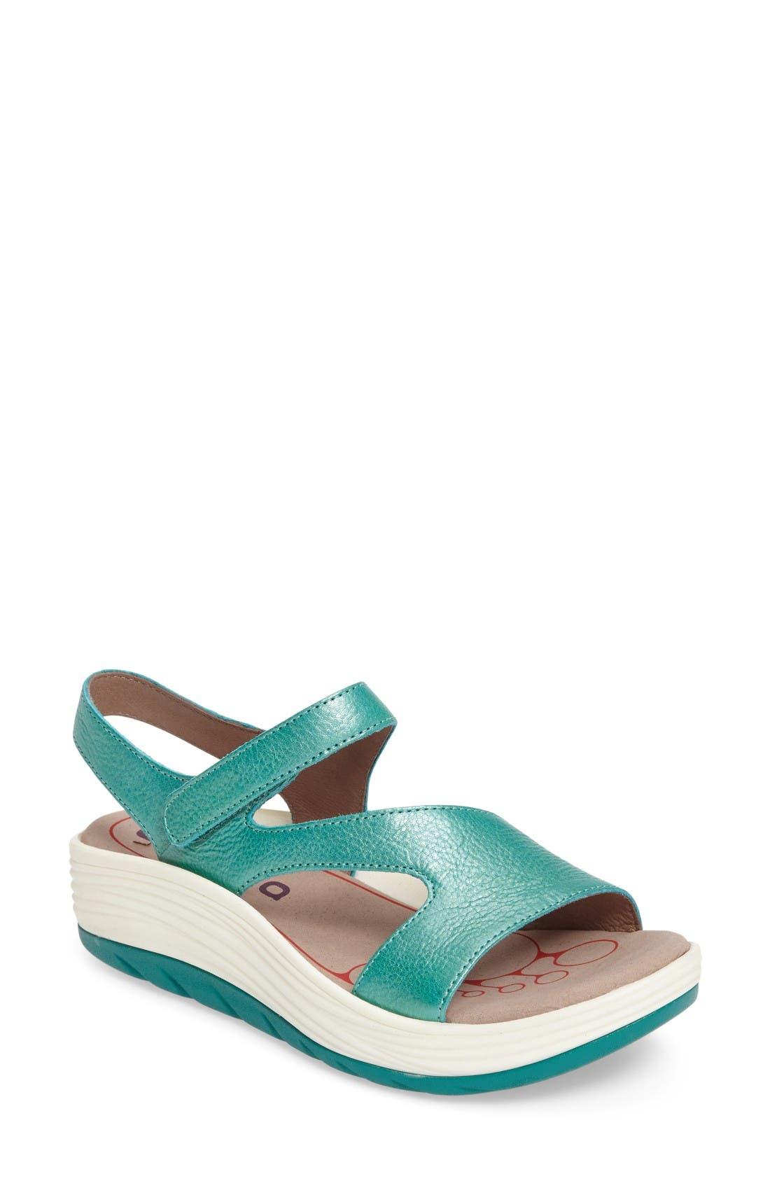 BIONICA Cybele Platform Sandal