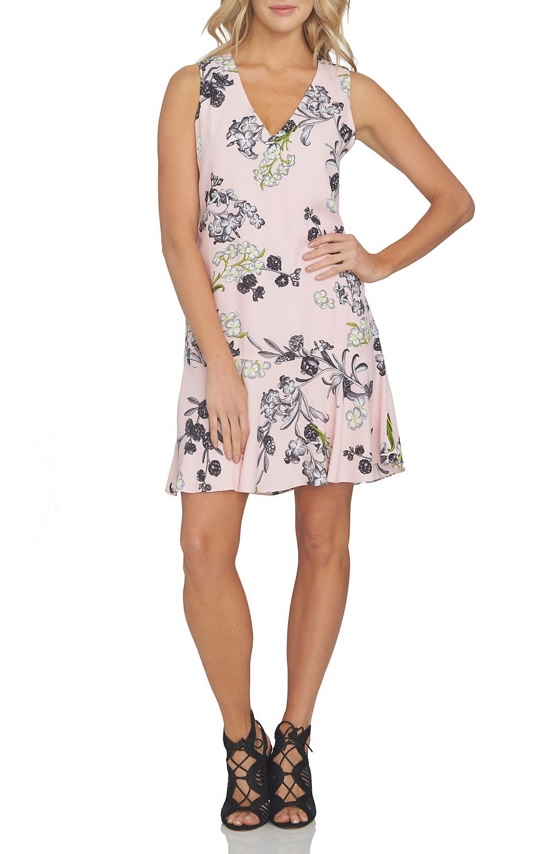 1.STATE Flounce Hem Shift Dress