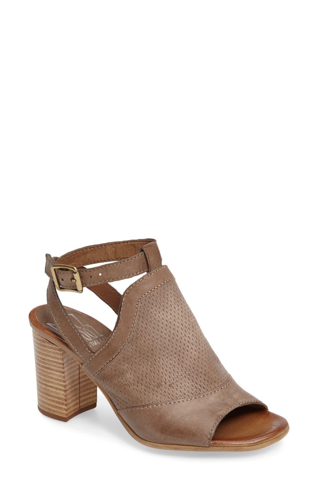 MIZ MOOZ Shiloh Block Heel Sandal