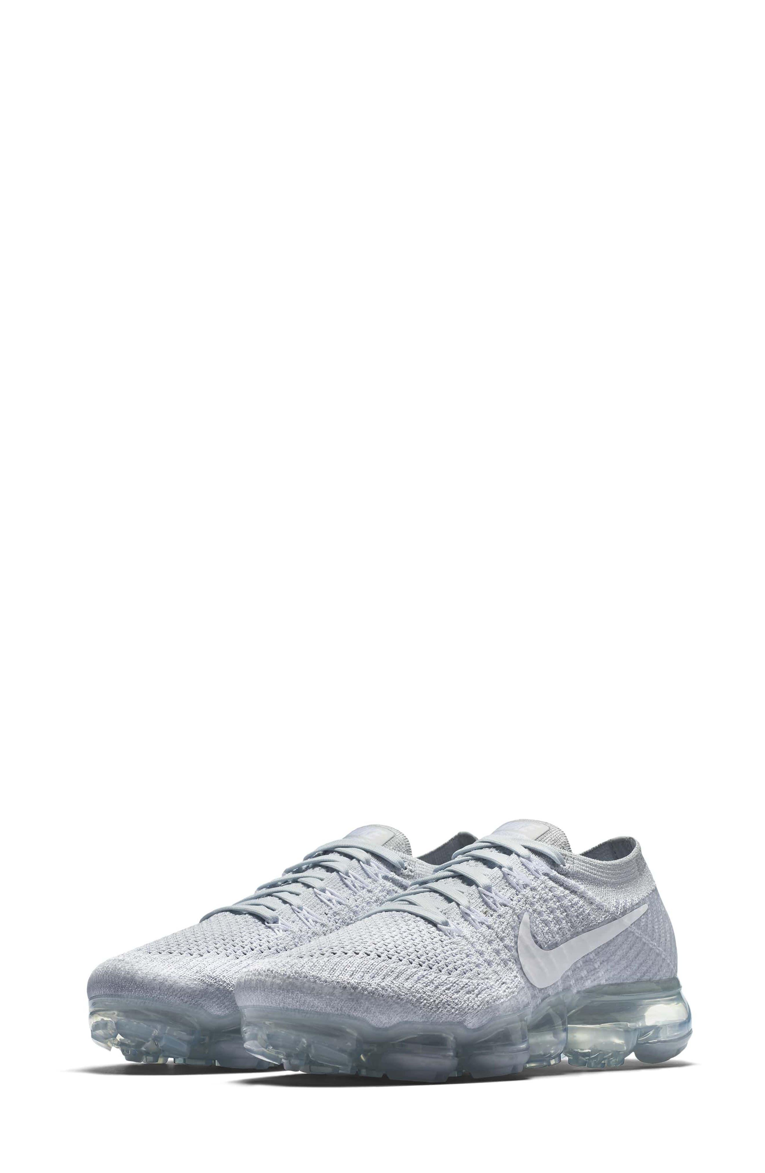 Main Image - Nike Air VaporMax Flyknit Running Shoe (Women)