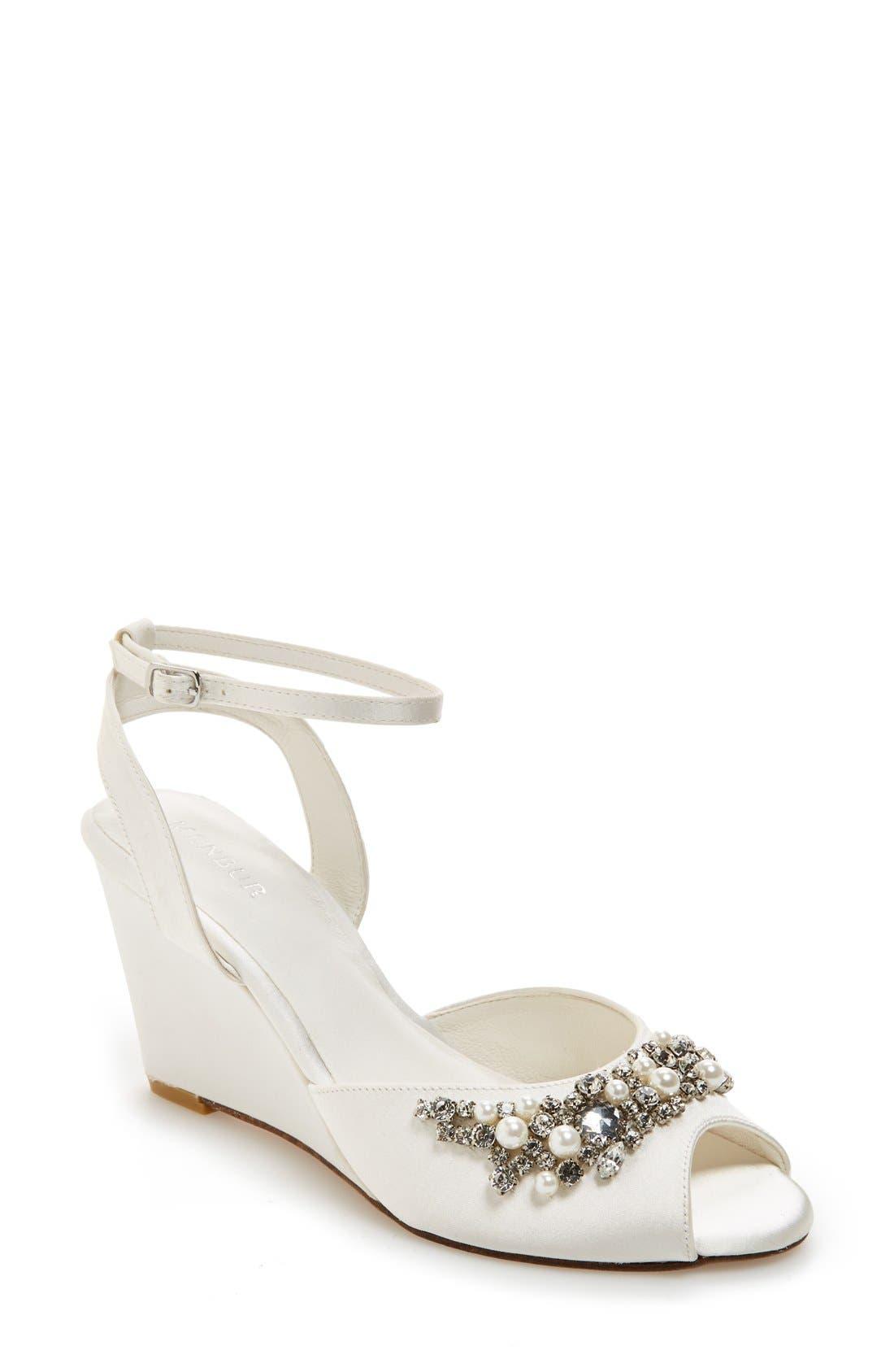 MENBUR 'Esther' Wedge Sandal