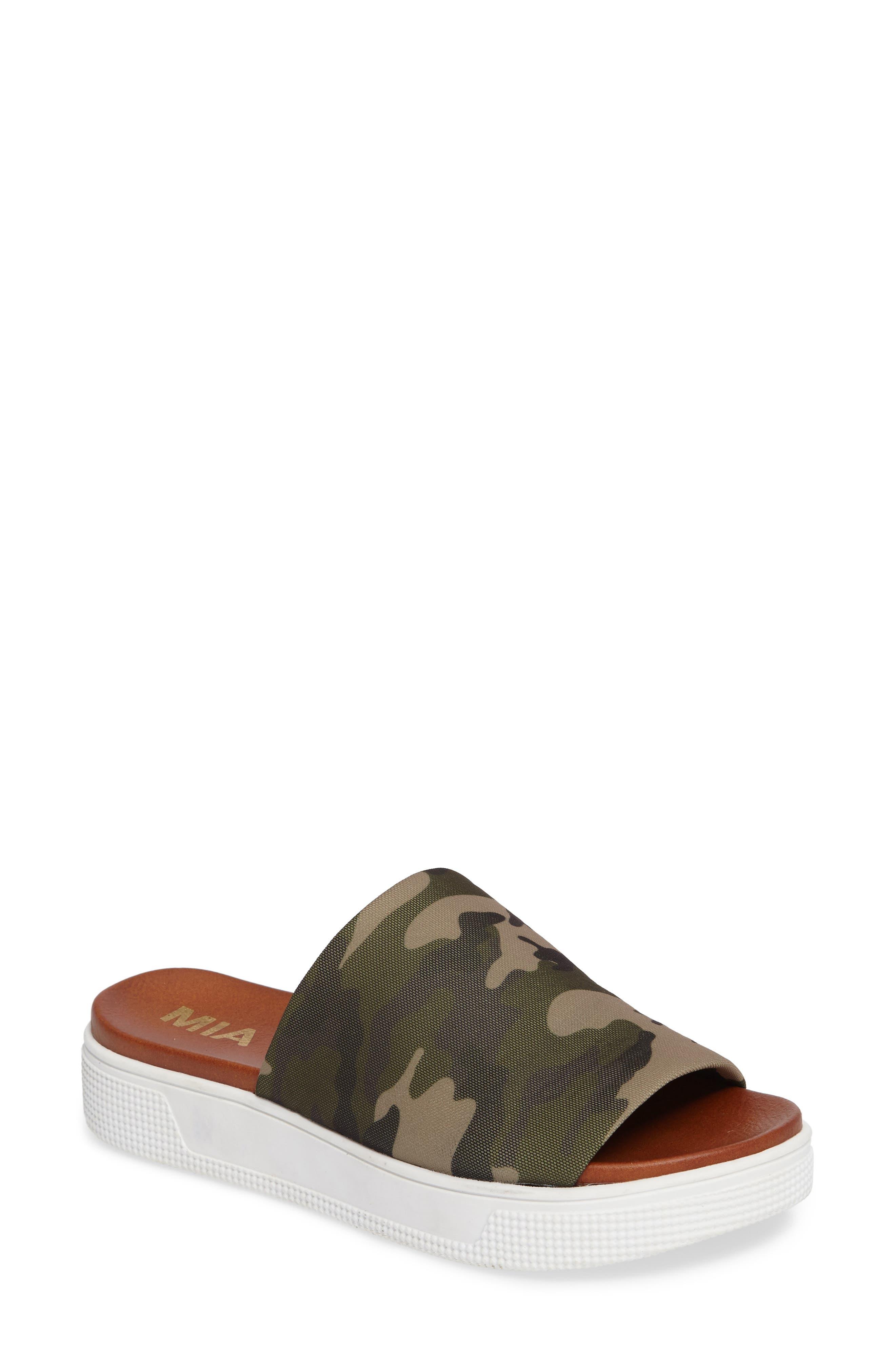 MIA Pax Slide Sandal (Women)