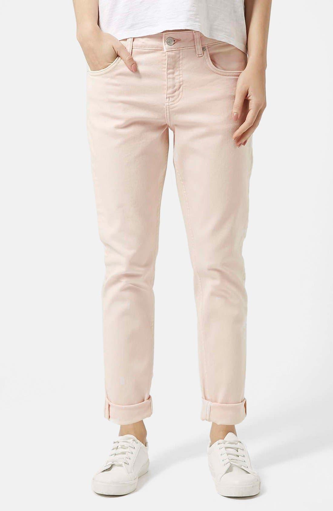 Main Image - Topshop Moto 'Lucas' Boyfriend Jeans (Pink)
