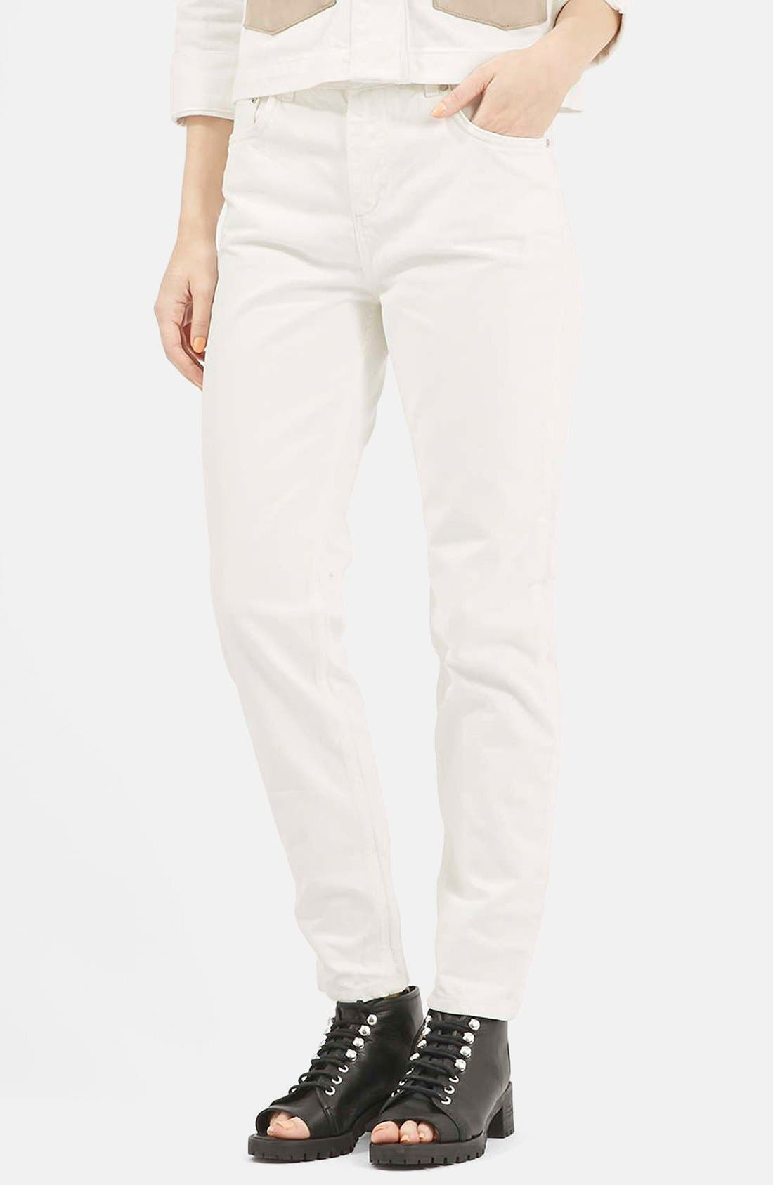 Main Image - Topshop Boutique Slim Leg Jeans (Cream)