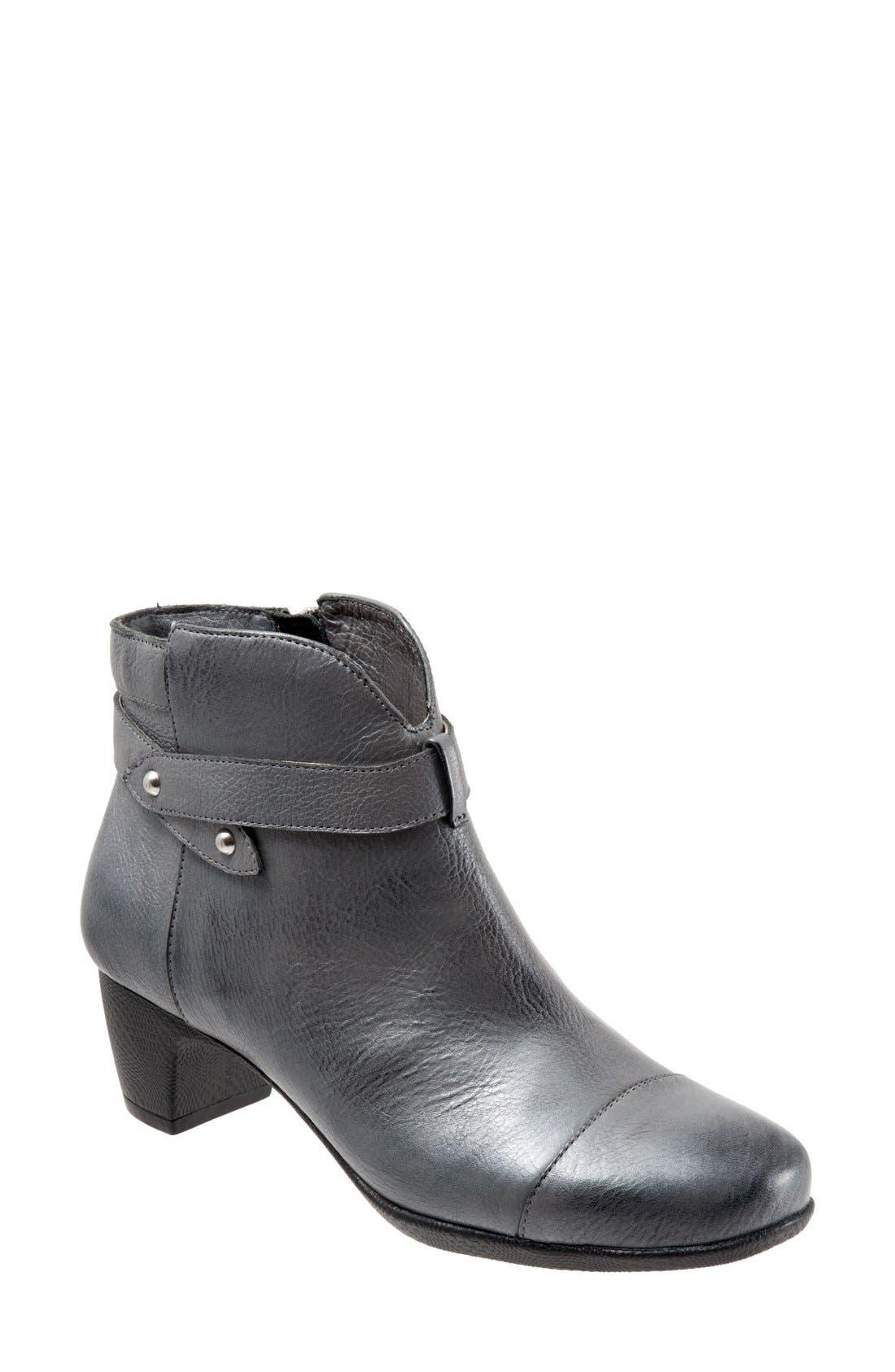 SOFTWALK® 'Ivanhoe' Leather Bootie