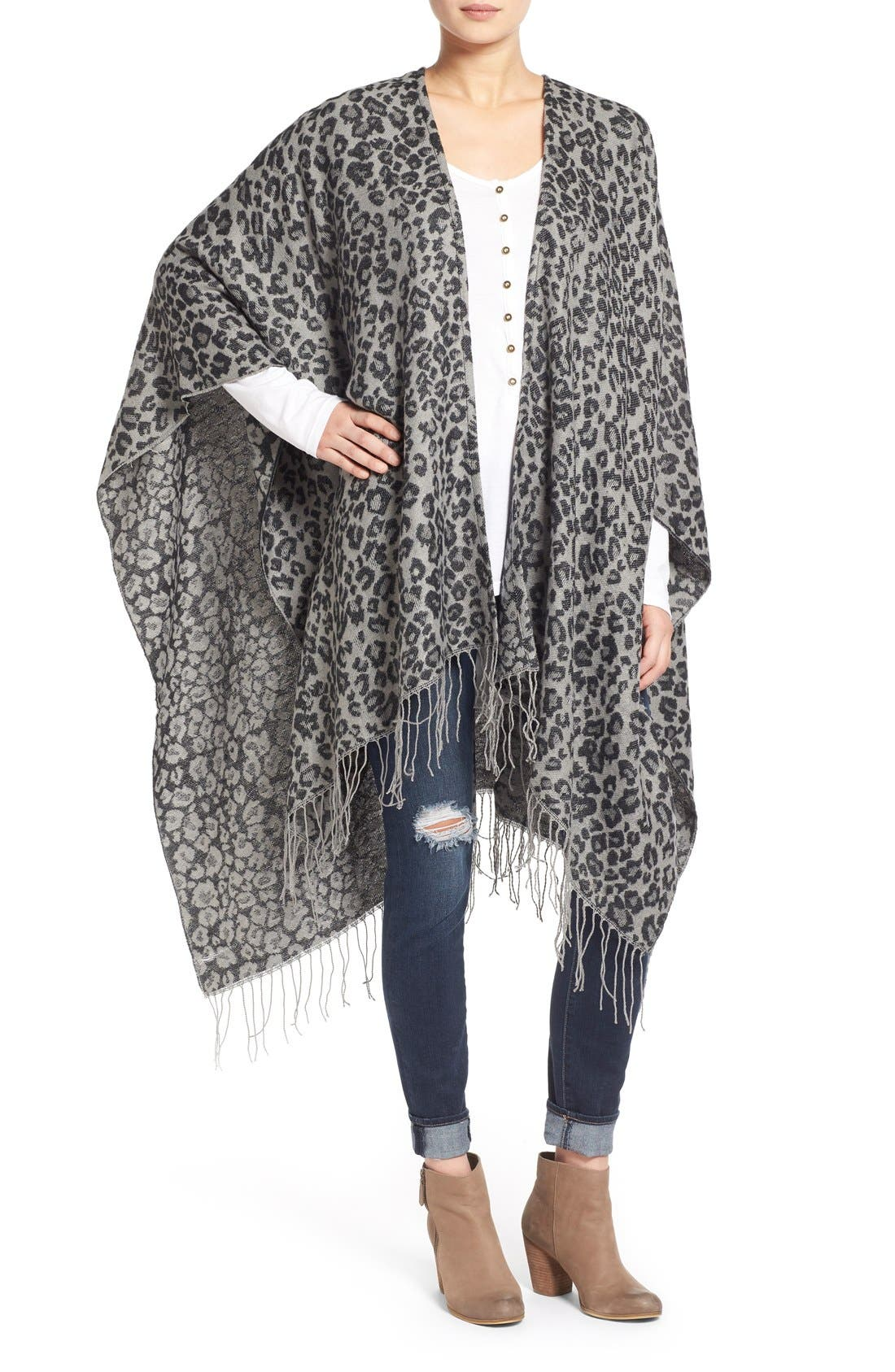 Main Image - Capelli of New York Leopard Print Knit Cape