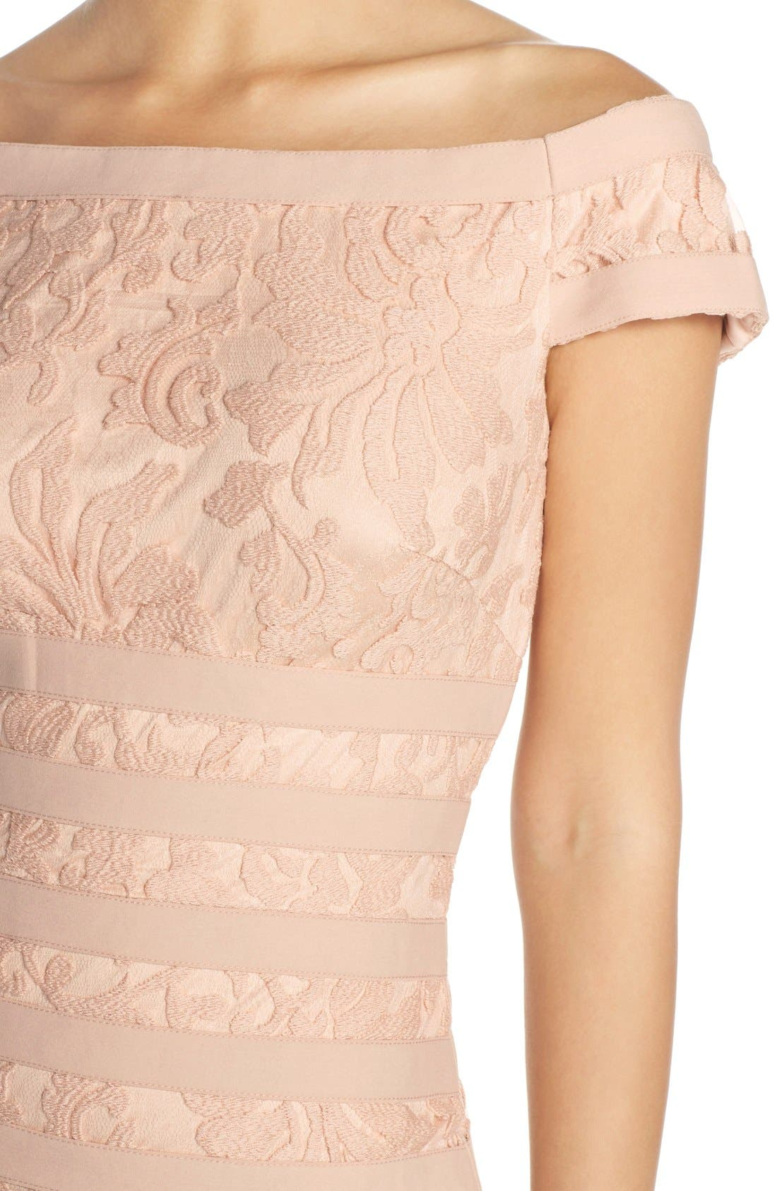 Alternate Image 4  - Tadashi Shoji Textured Lace Mermaid Gown (Regular & Petite)