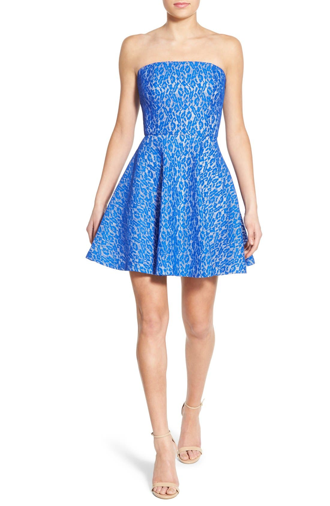 Main Image - Soloiste Lace Strapless Skater Dress