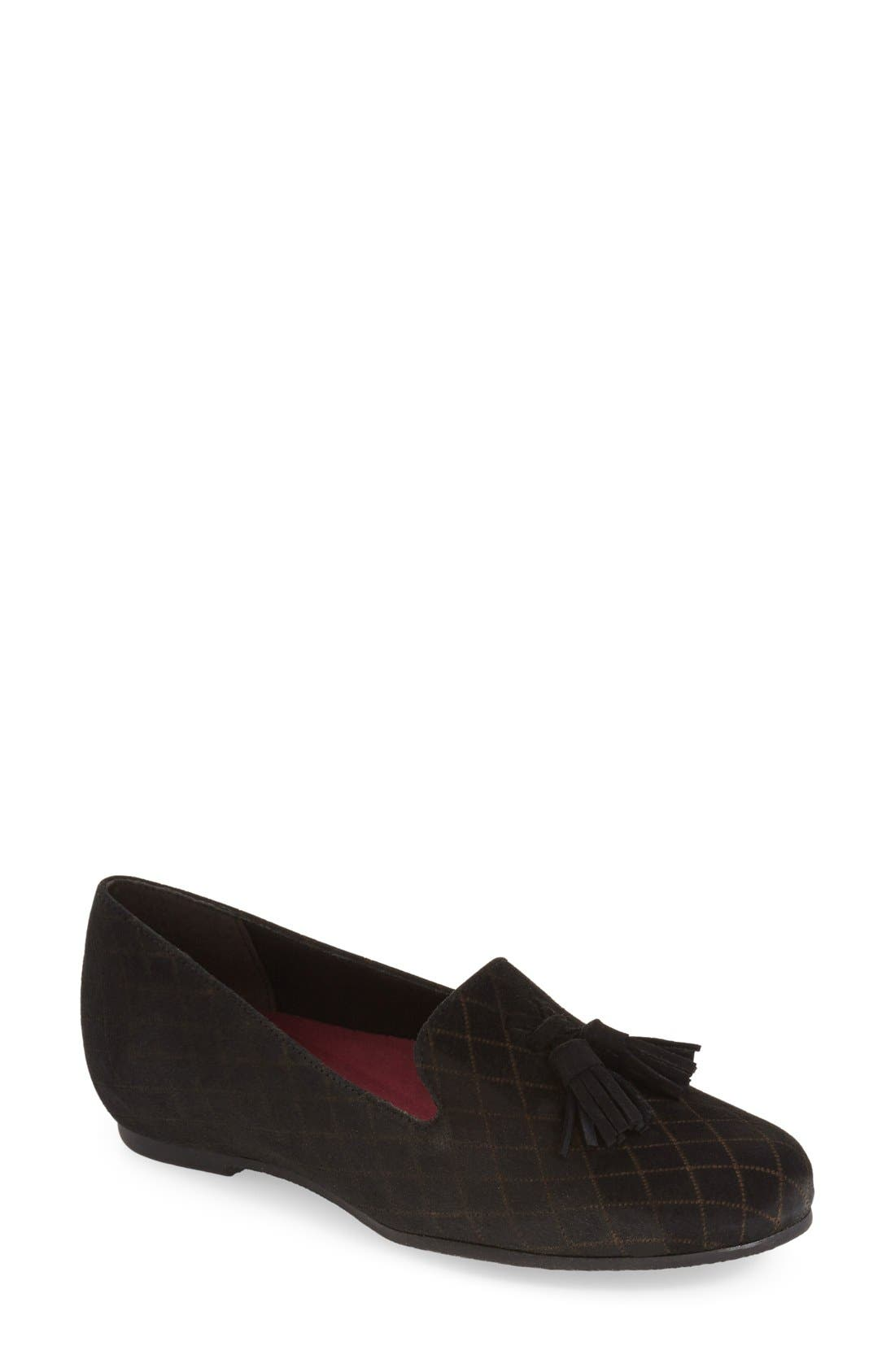 Munro 'Tallie' Tassel Loafer Flat (Women)