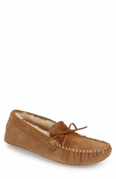 Minnetonka Genuine Shearling Lined Leather Slipper (Men)