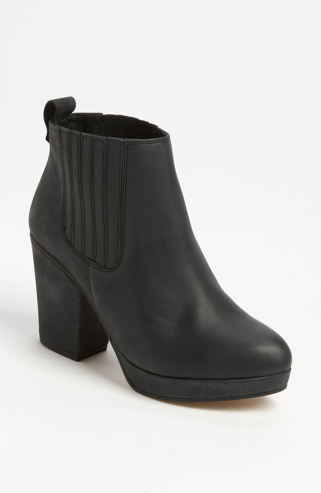 Main Image - Topshop 'Alexy' Ankle Boot