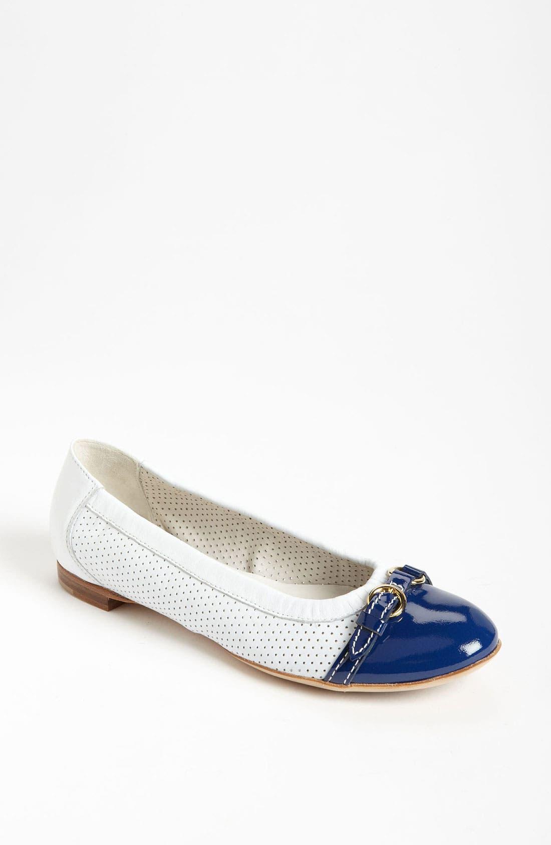 Main Image - Attilio Giusti Leombruni Perforated Toe Cap Ballet Flat