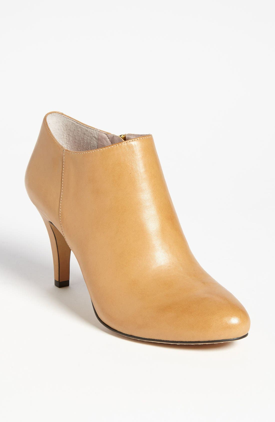 Alternate Image 1 Selected - Vince Camuto 'Vive' Bootie (Nordstrom Exclusive) (Online Only Color)