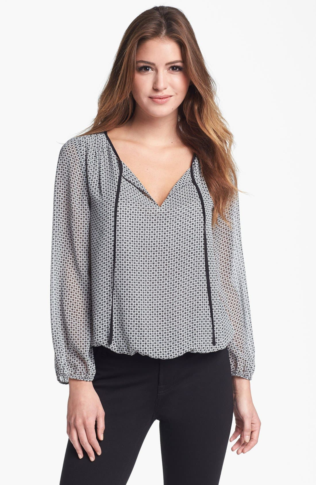 Main Image - Vince Camuto Print Peasant Top (Nordstrom Exclusive)