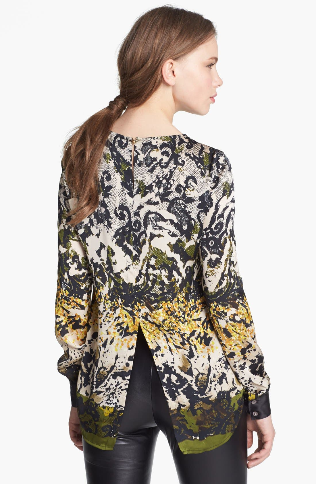 Alternate Image 2  - Vince Camuto Split Back Print Blouse