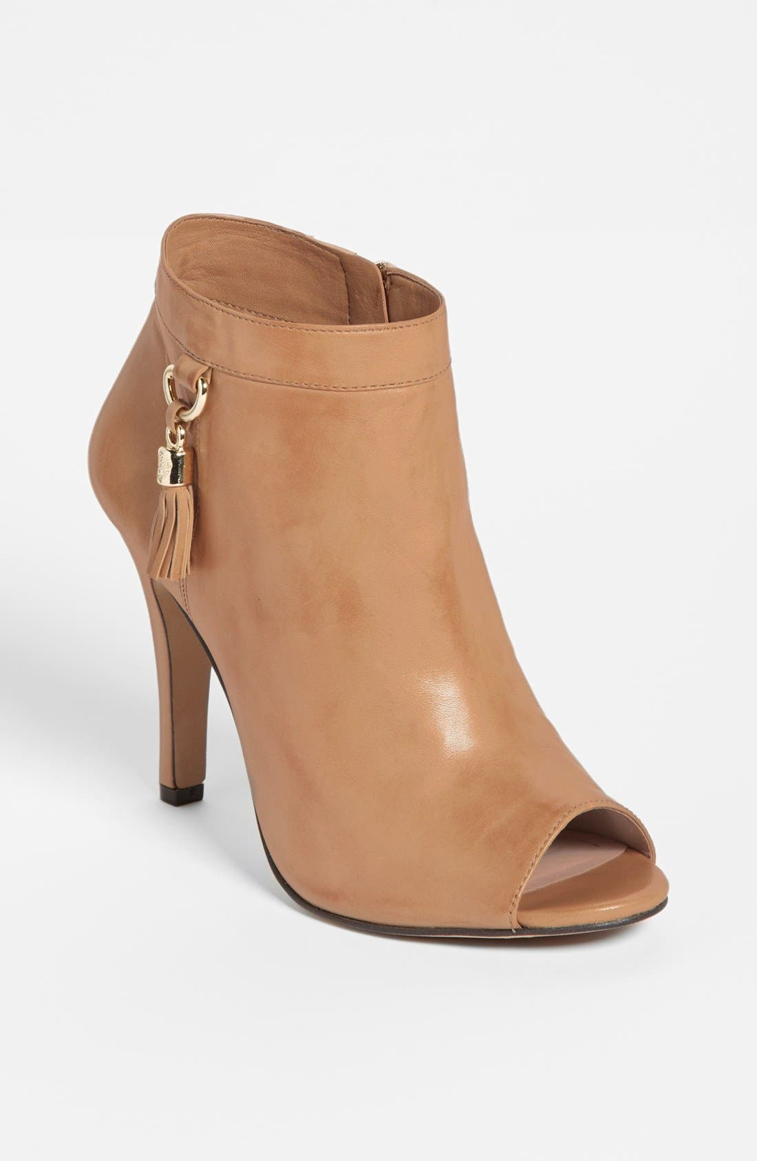 Alternate Image 1 Selected - Vince Camuto 'Kevia' Bootie