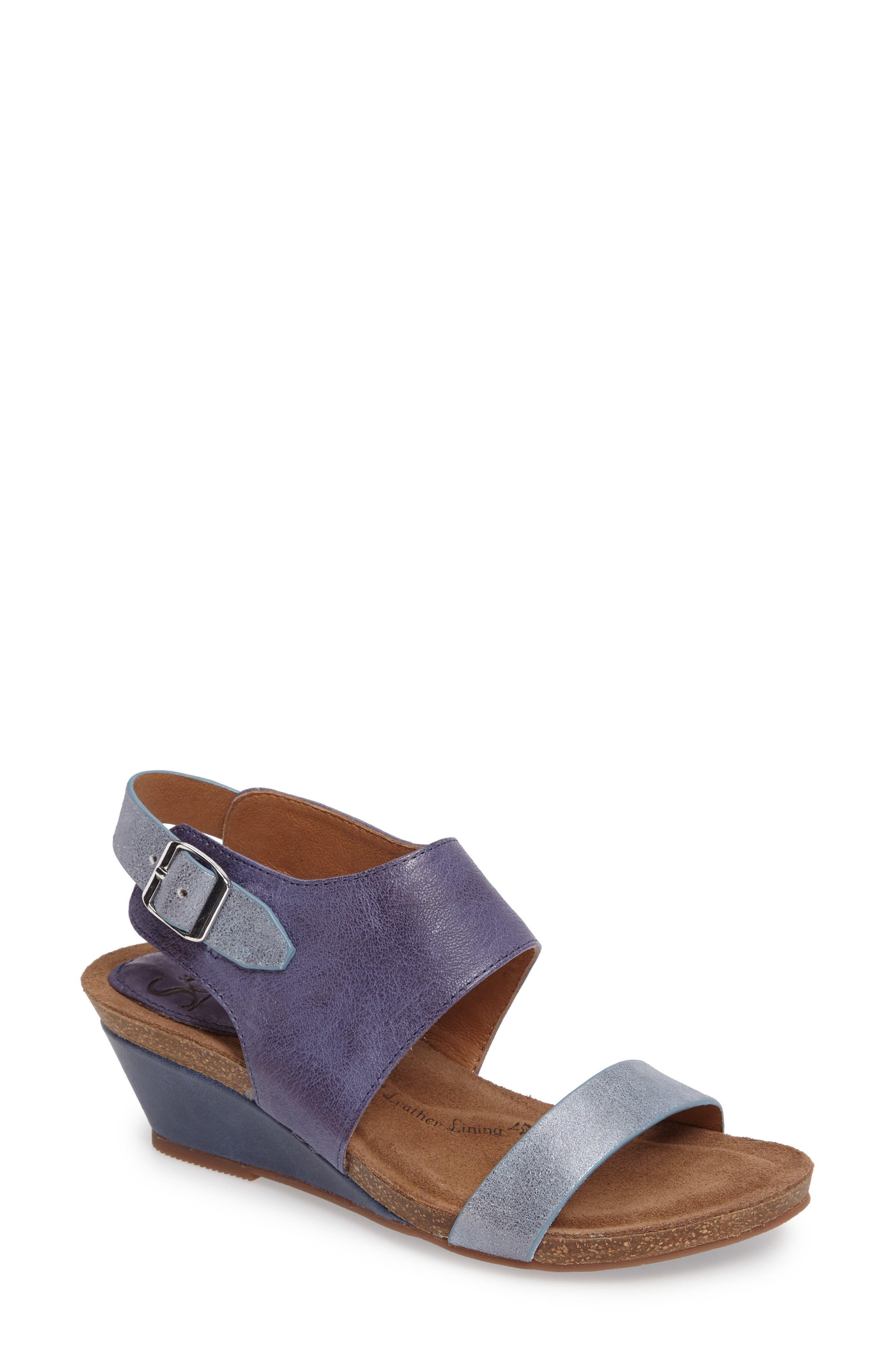 Söfft 'Vanita' Leather Sandal (Women)