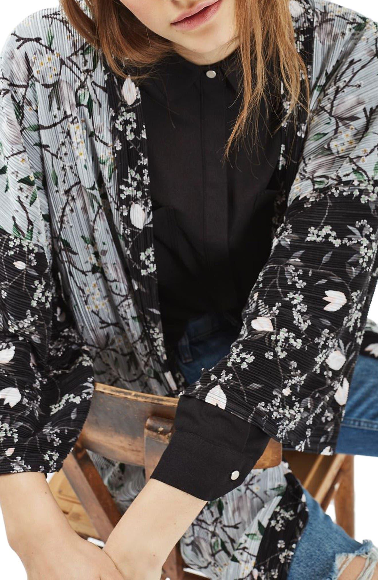 Alternate Image 5  - Topshop Print Plissé Kimono