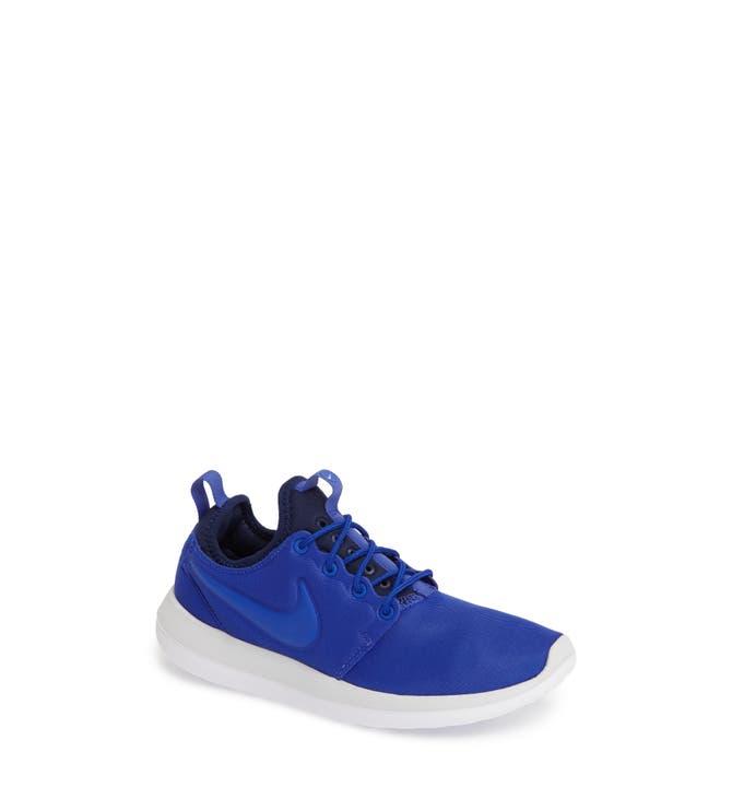 Nike Women 's Roshe Two $ 89.99 Sneakerhead 844931 301