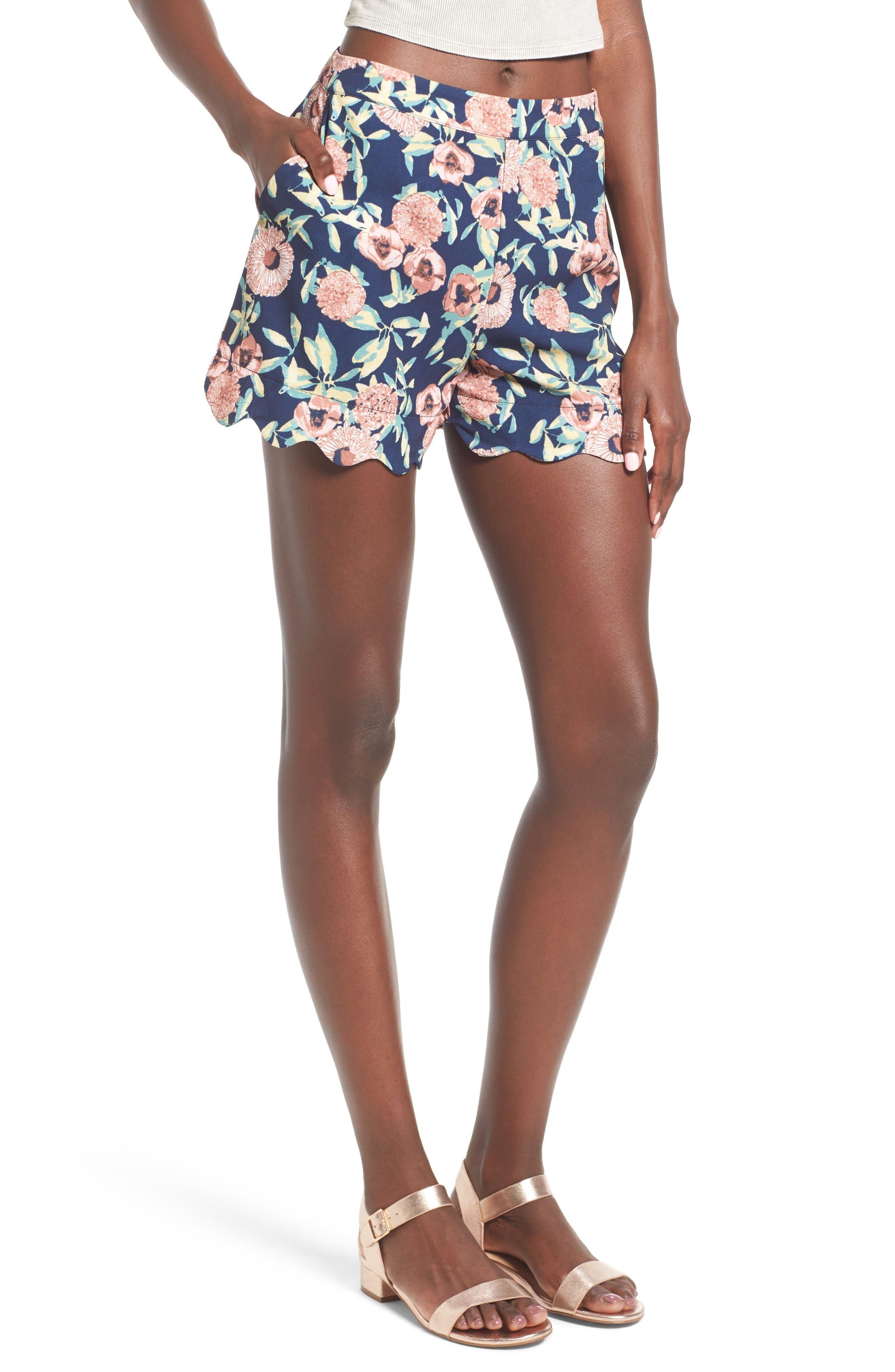 June & Hudson High Waist Scallop Hem Shorts