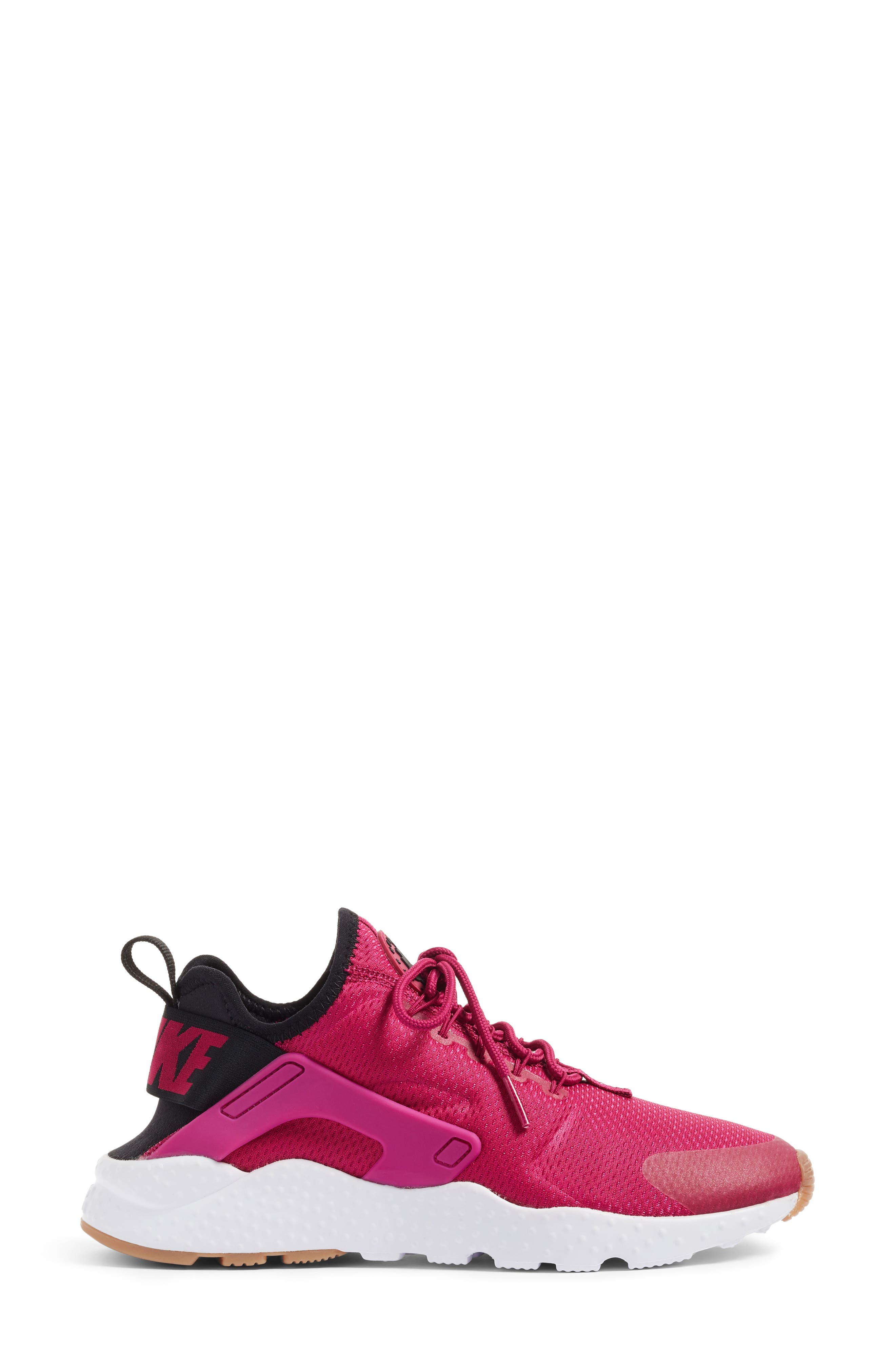 Alternate Image 3  - Nike Air Huarache Sneaker (Women)