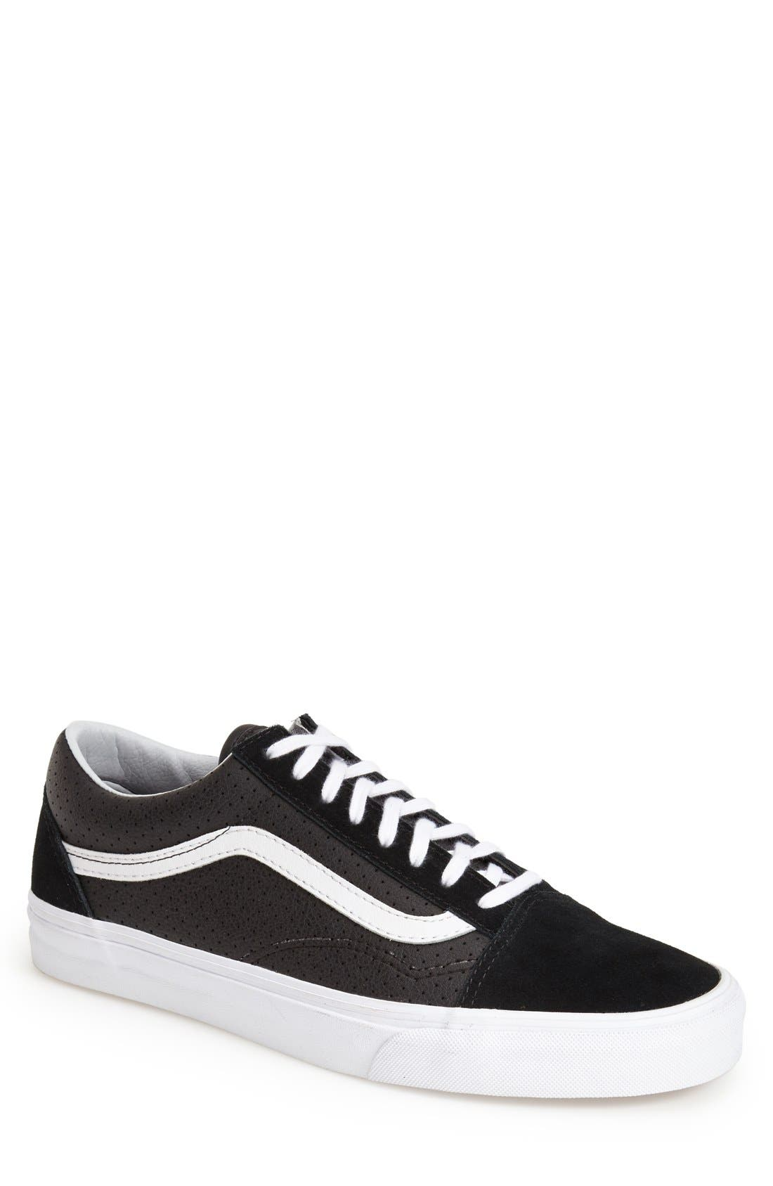 Alternate Image 1 Selected - Vans 'Old Skool' Sneaker (Men) (Nordstrom Exclusive)