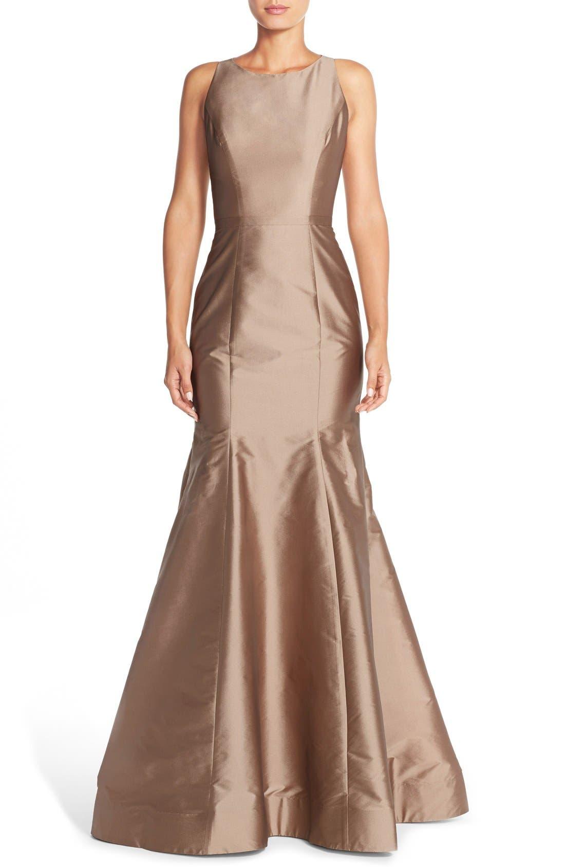 Main Image - Monique Lhuillier Bridesmaids Back Cutout Taffeta Mermaid Gown