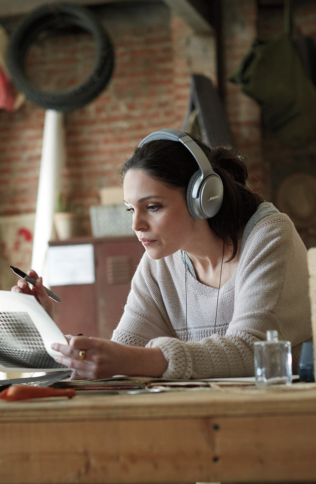 Alternate Image 14  - Bose® QuietComfort® 35 Acoustic Noise Cancelling® Bluetooth® Headphones