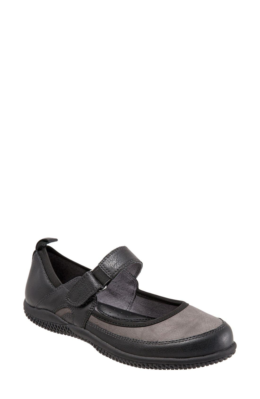 SoftWalk® 'Haddley' Mary Jane Flat (Women)