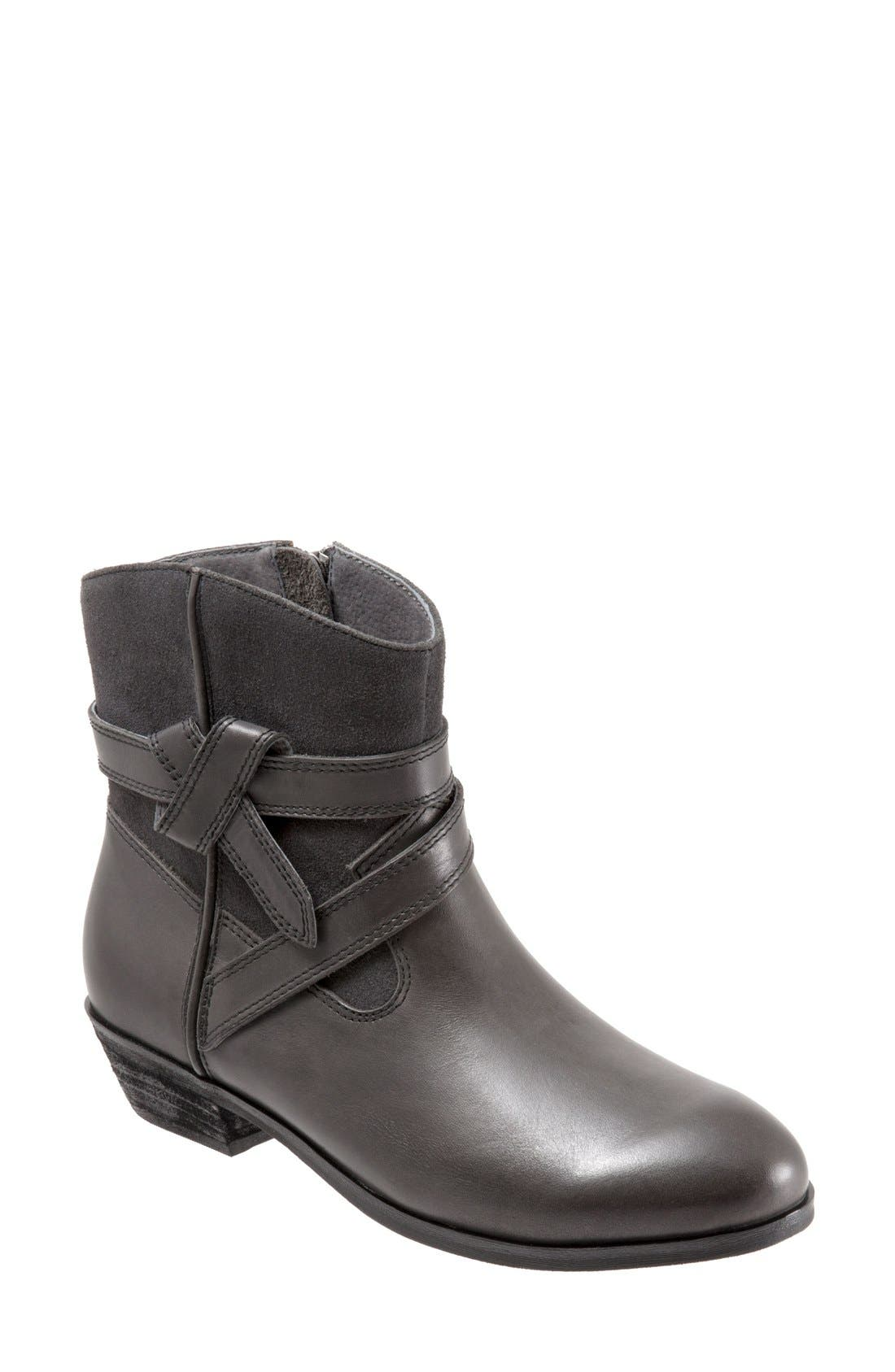 SoftWalk® 'Roper' Bootie (Women)