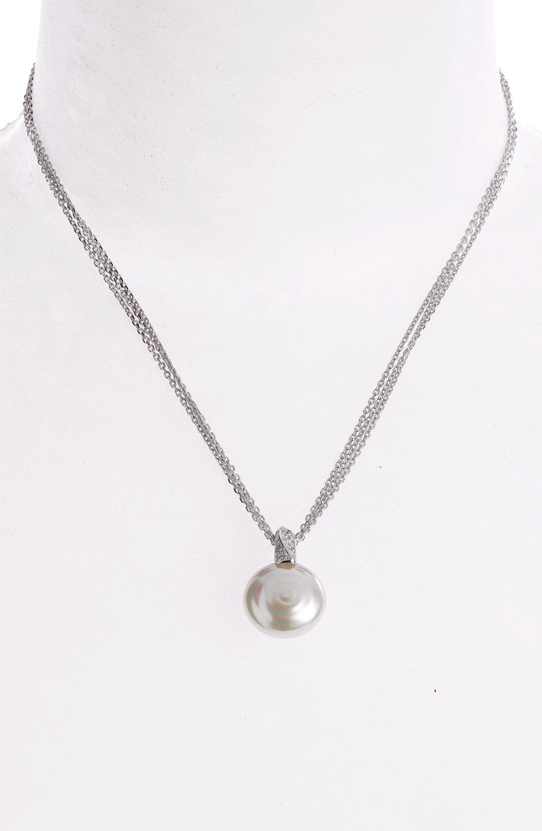 Main Image - Majorica 18mm Coin Pearl Pendant Necklace