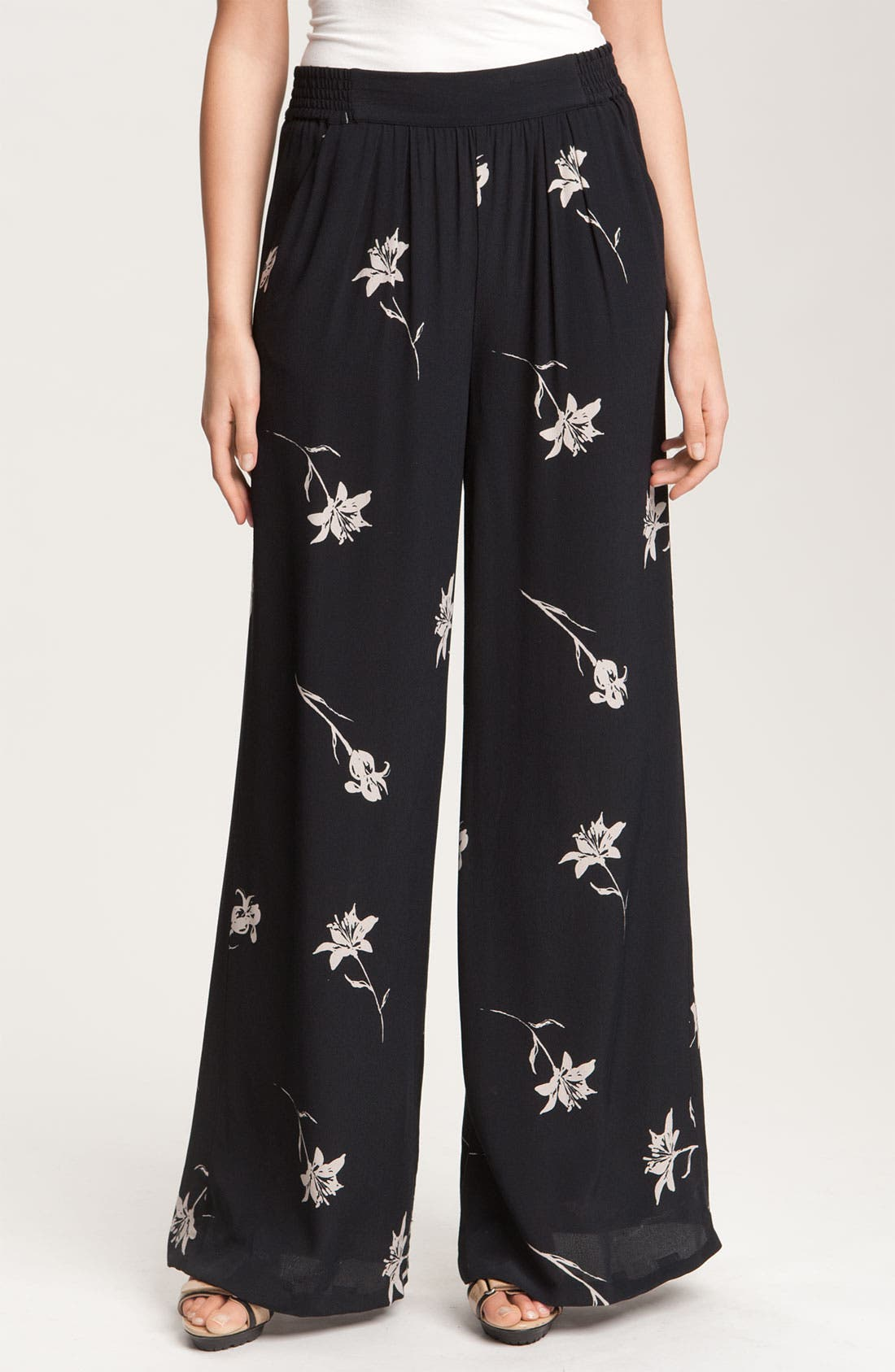Alternate Image 1 Selected - Halogen® Pull On Palazzo Pants
