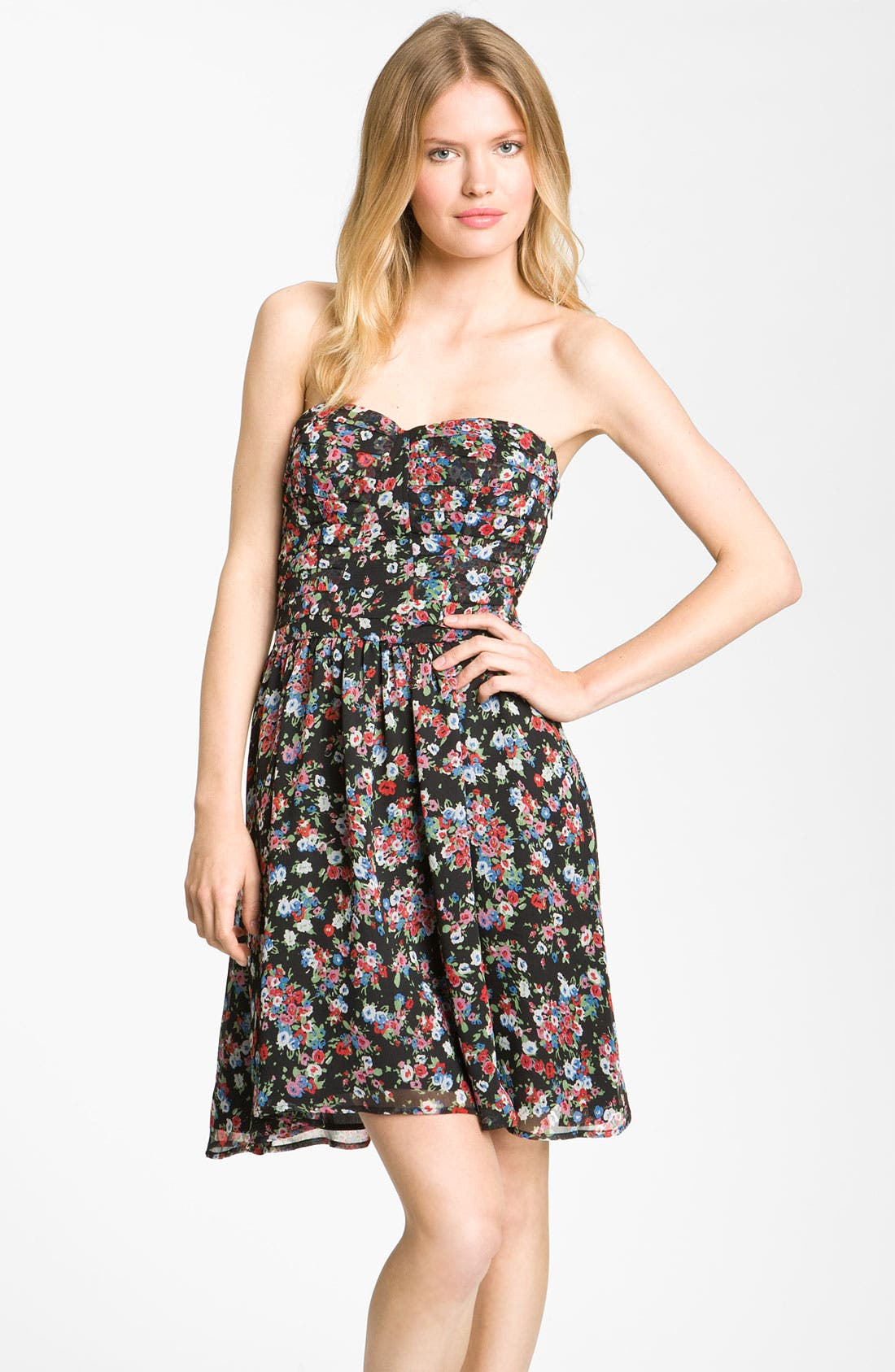 Main Image - Fynn & Rose Strapless Floral Dress