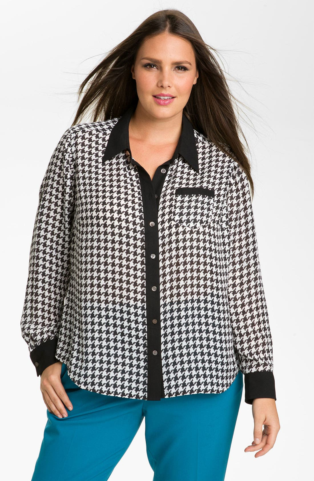 Alternate Image 1 Selected - Vince Camuto Contrast Trim Houndstooth Blouse (Plus)