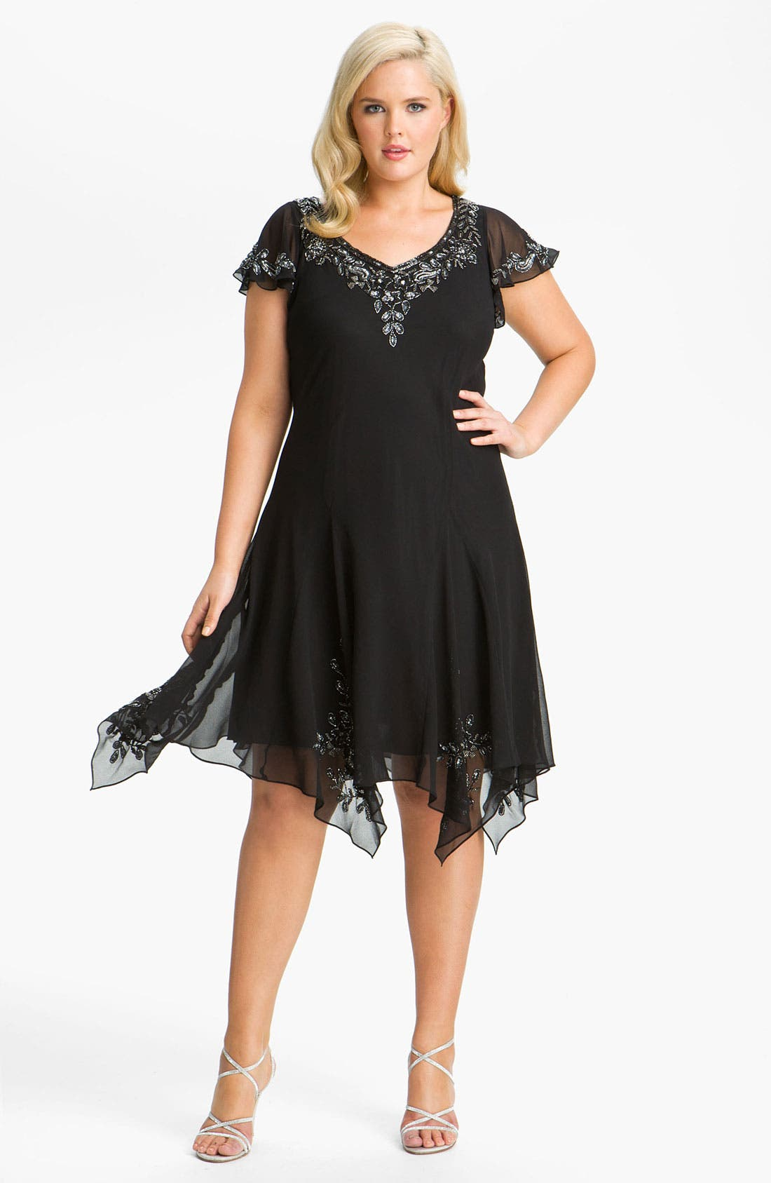 Main Image - J Kara Beaded Flutter Sleeve Chiffon Dress (Plus Size)