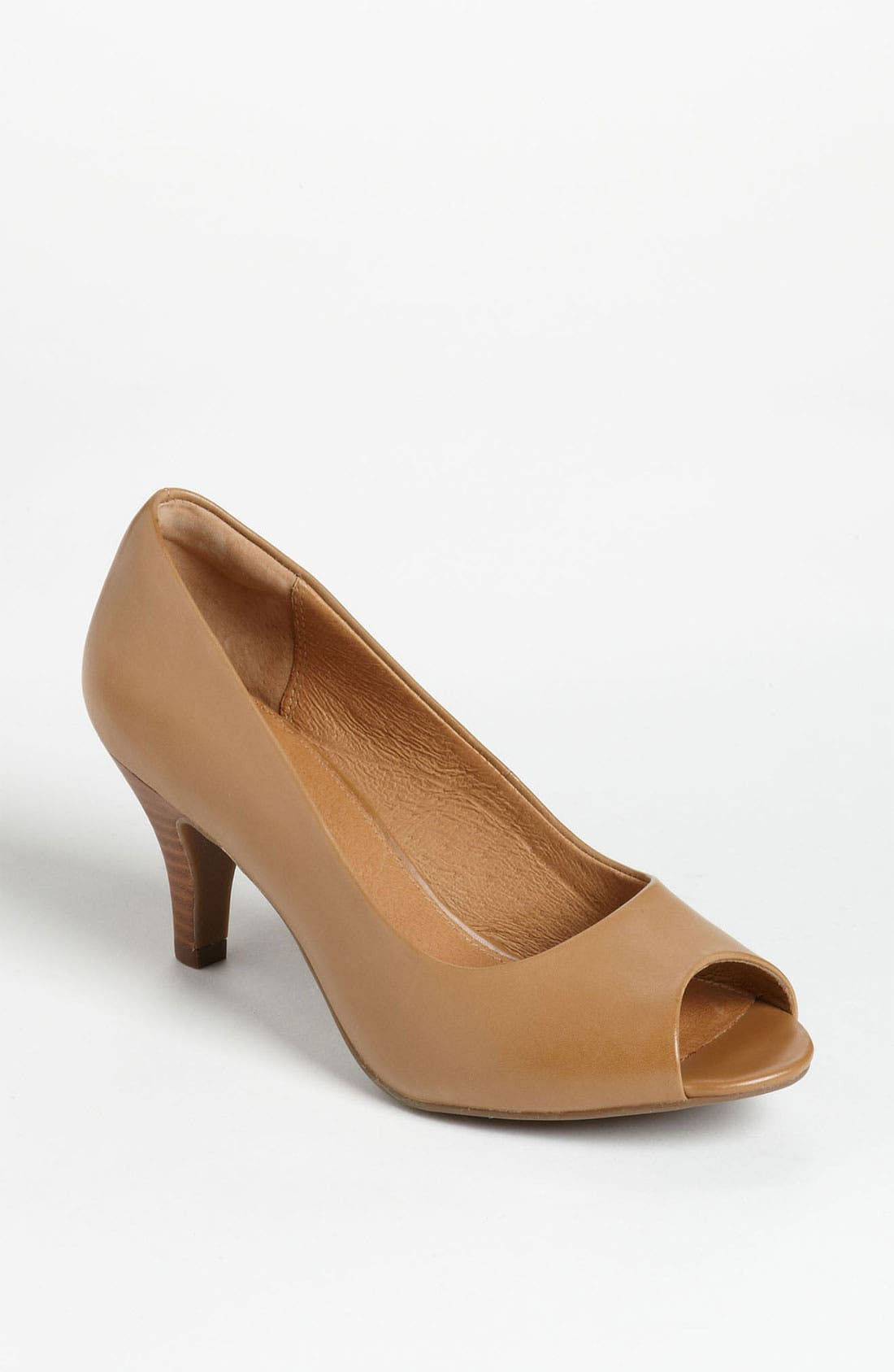 Main Image - Clarks® 'Cynthia Avant' Pump (Online Only)
