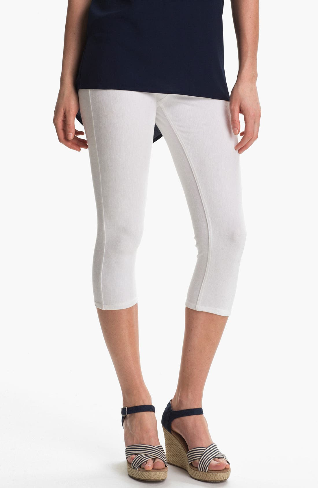 Alternate Image 1 Selected - Hue 'New Denim' Capri Leggings