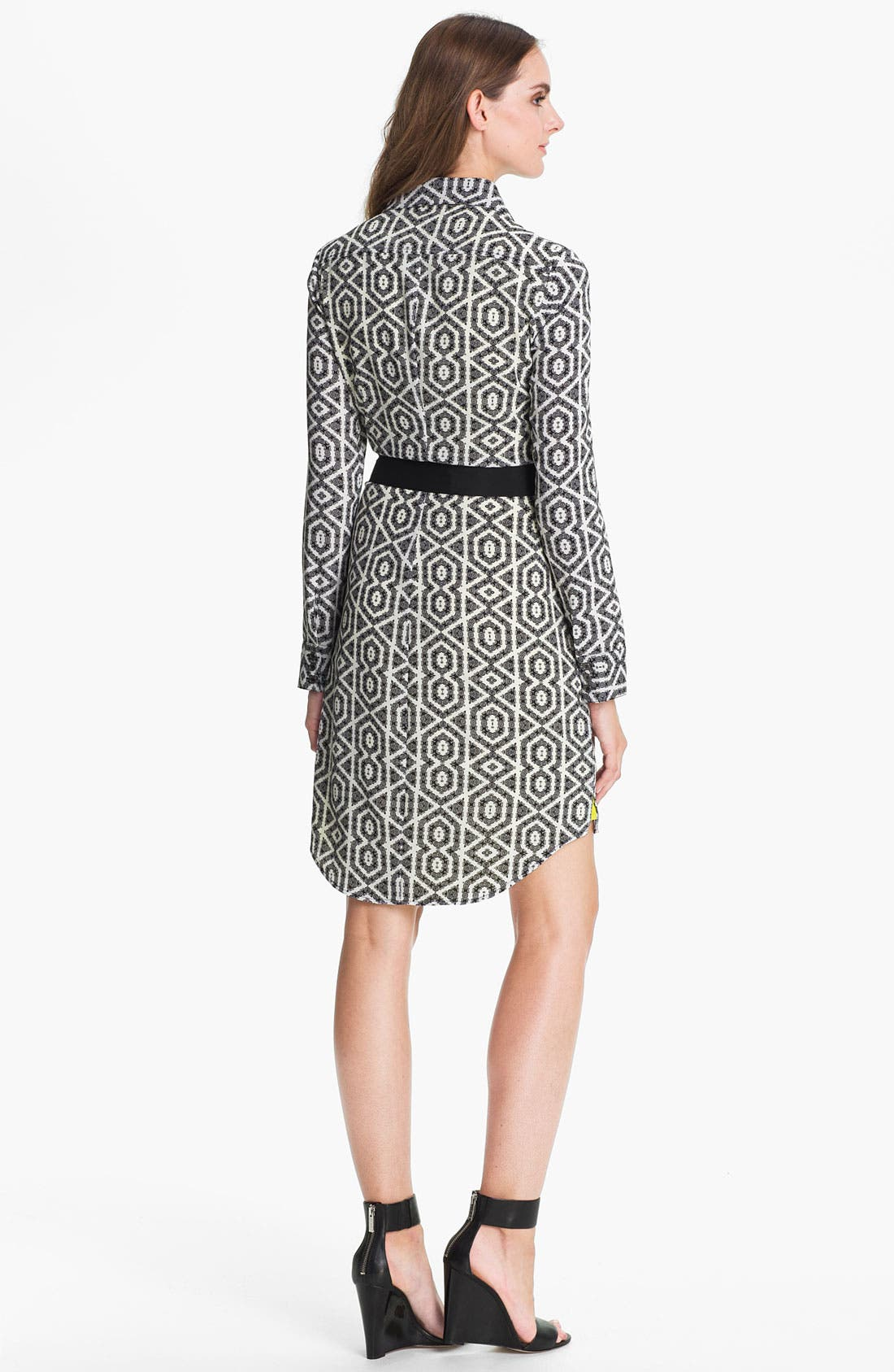 Alternate Image 2  - Vince Camuto Print Shirtdress