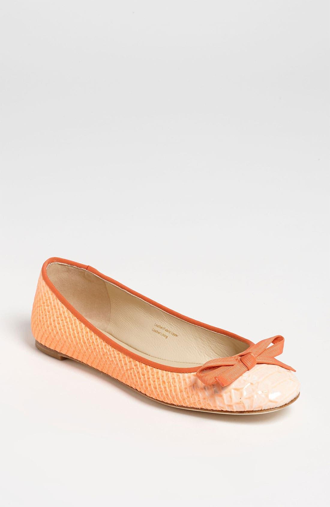 Main Image - Vera Wang Footwear 'Laetitia' Flat