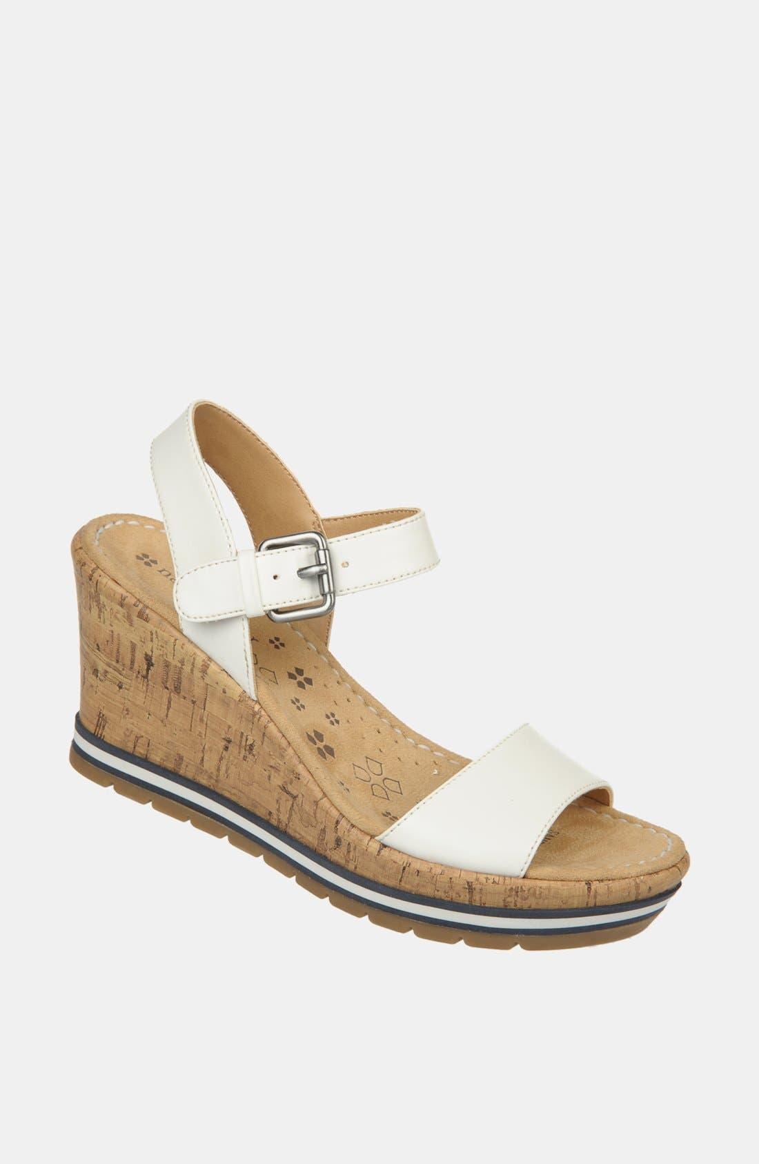 Alternate Image 1 Selected - Naturalizer 'Norton' Sandal